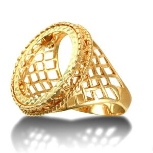 Solid 9ct yellow gold half Sovereign size rope edge coin mount ring with basket design shoulders.