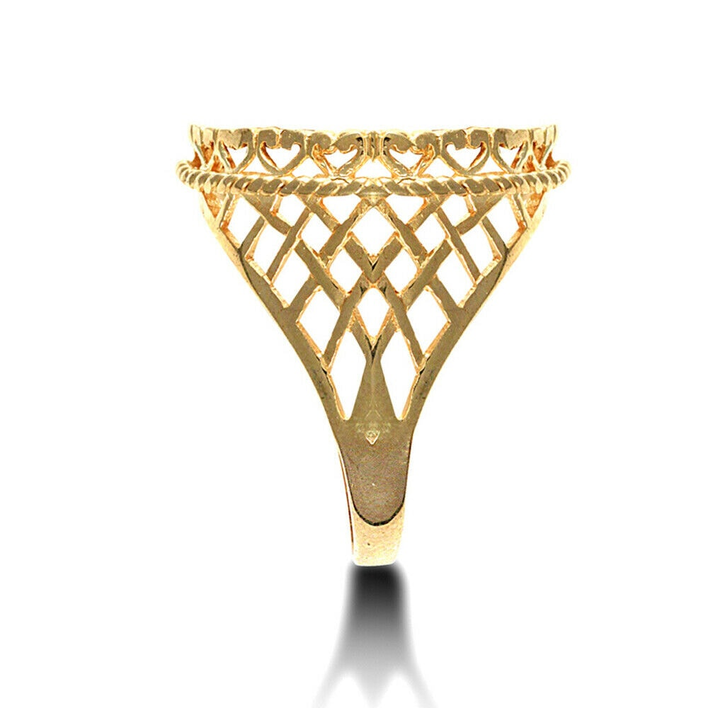 aa 32 - Solid 9ct yellow gold half Sovereign size rope edge coin mount ring with basket design shoulders.