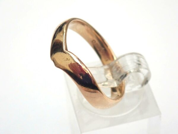 Unique! 9 carat Yellow Gold Wishbone Ring. Size Q1/2 – 3.2gms  #55