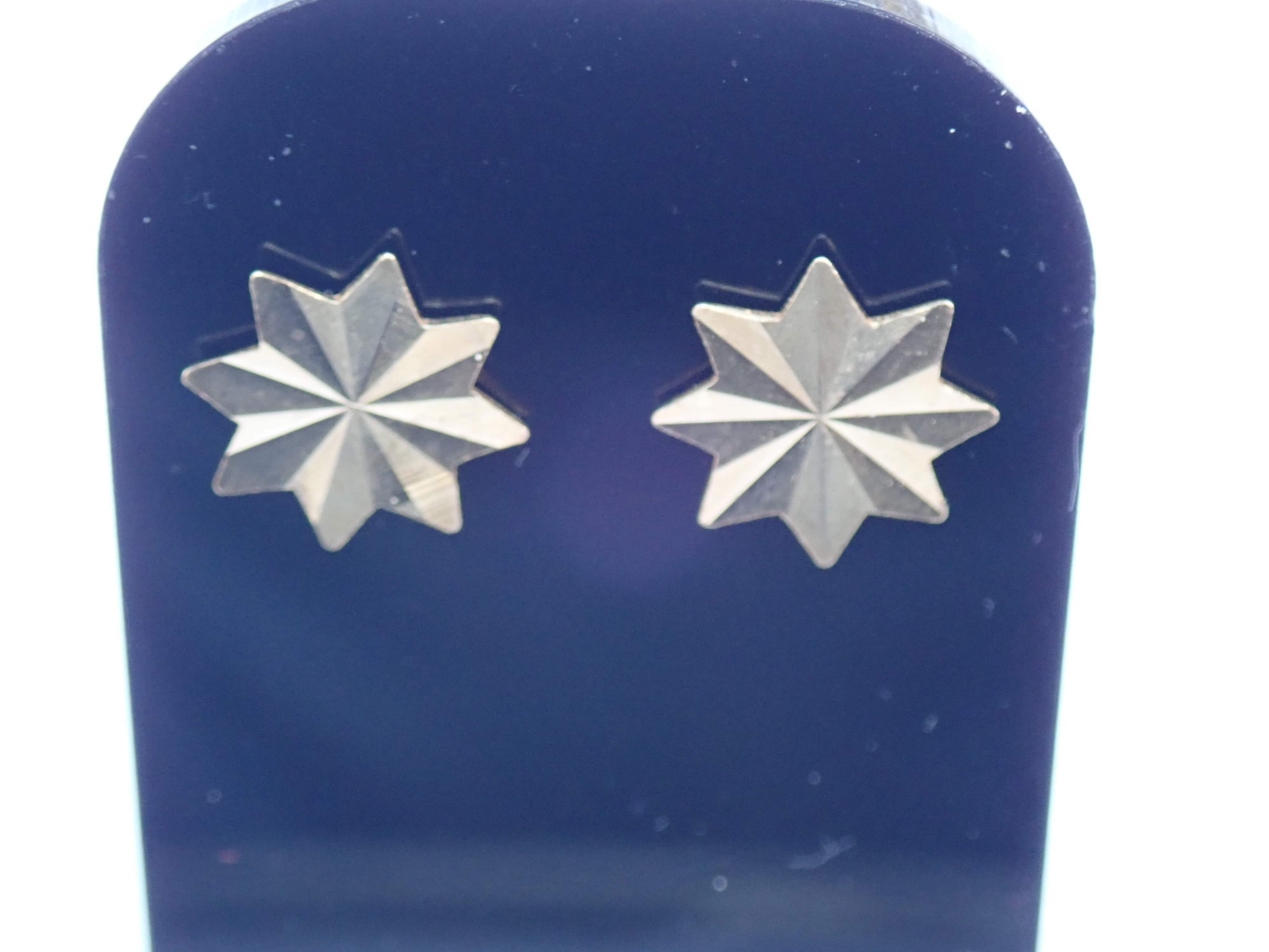 Solid 9k Carat Yellow Gold Star Earrings & Butterfly's 0.65g