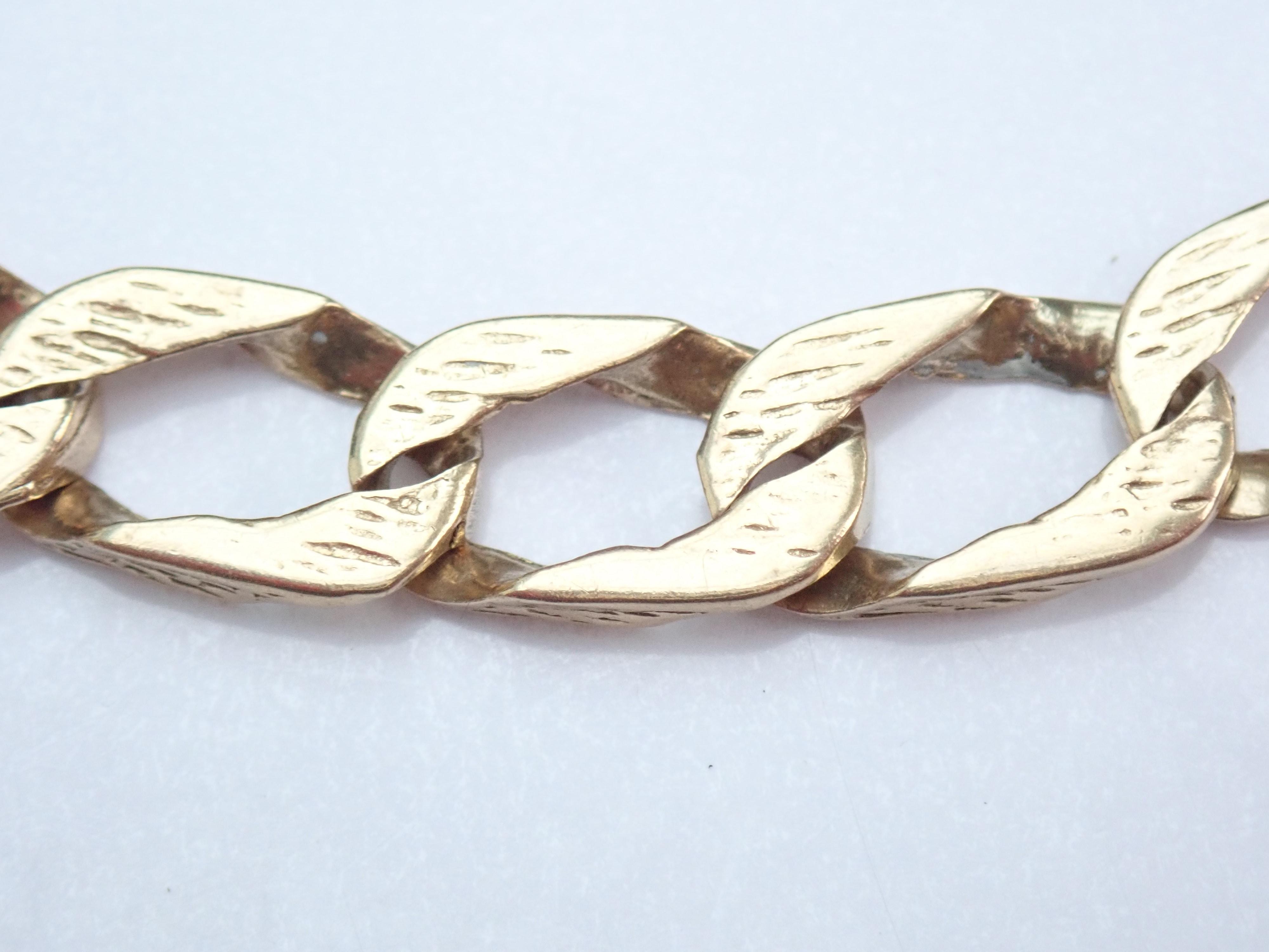 9k  Gold Bark Effect Curb / Rada link Bracelet 9.5 inch 14.81g #265