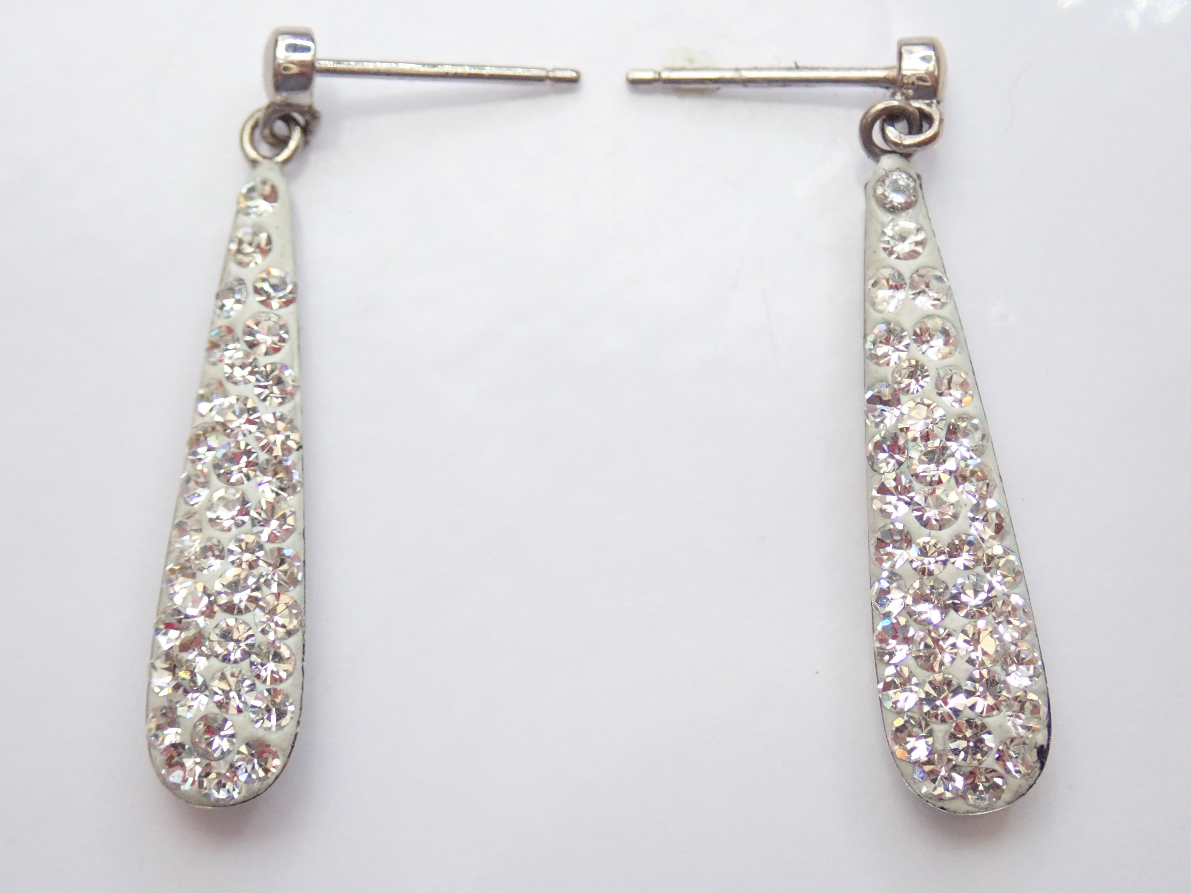 9k White Gold Cubic Zirconia Bomb Drop Dangly Earrings & Butterfly's 1.50gms #20