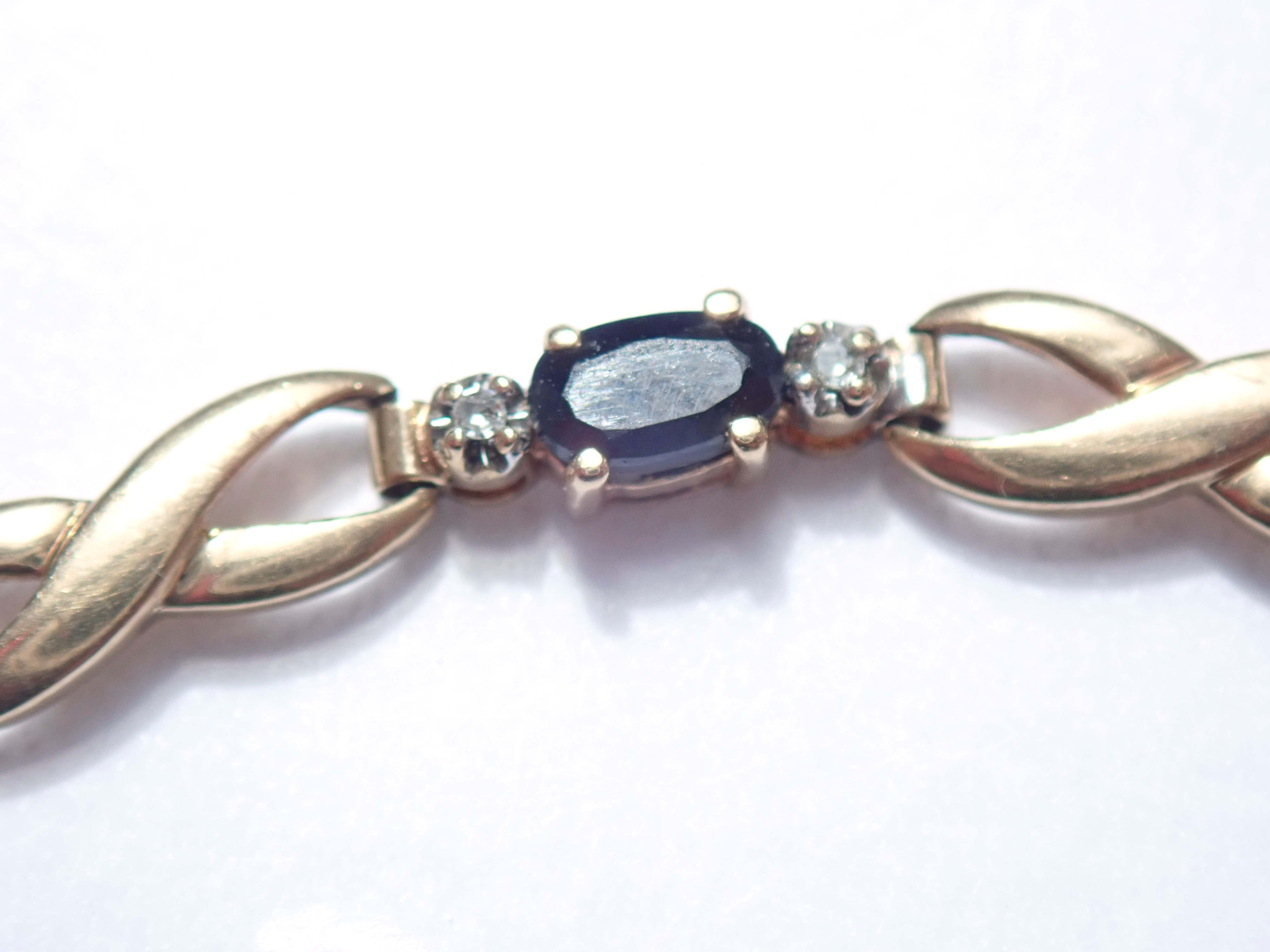 Diamond and Onyx 9ct Yellow Gold 7.5″ Bracelet 5.3gms #89
