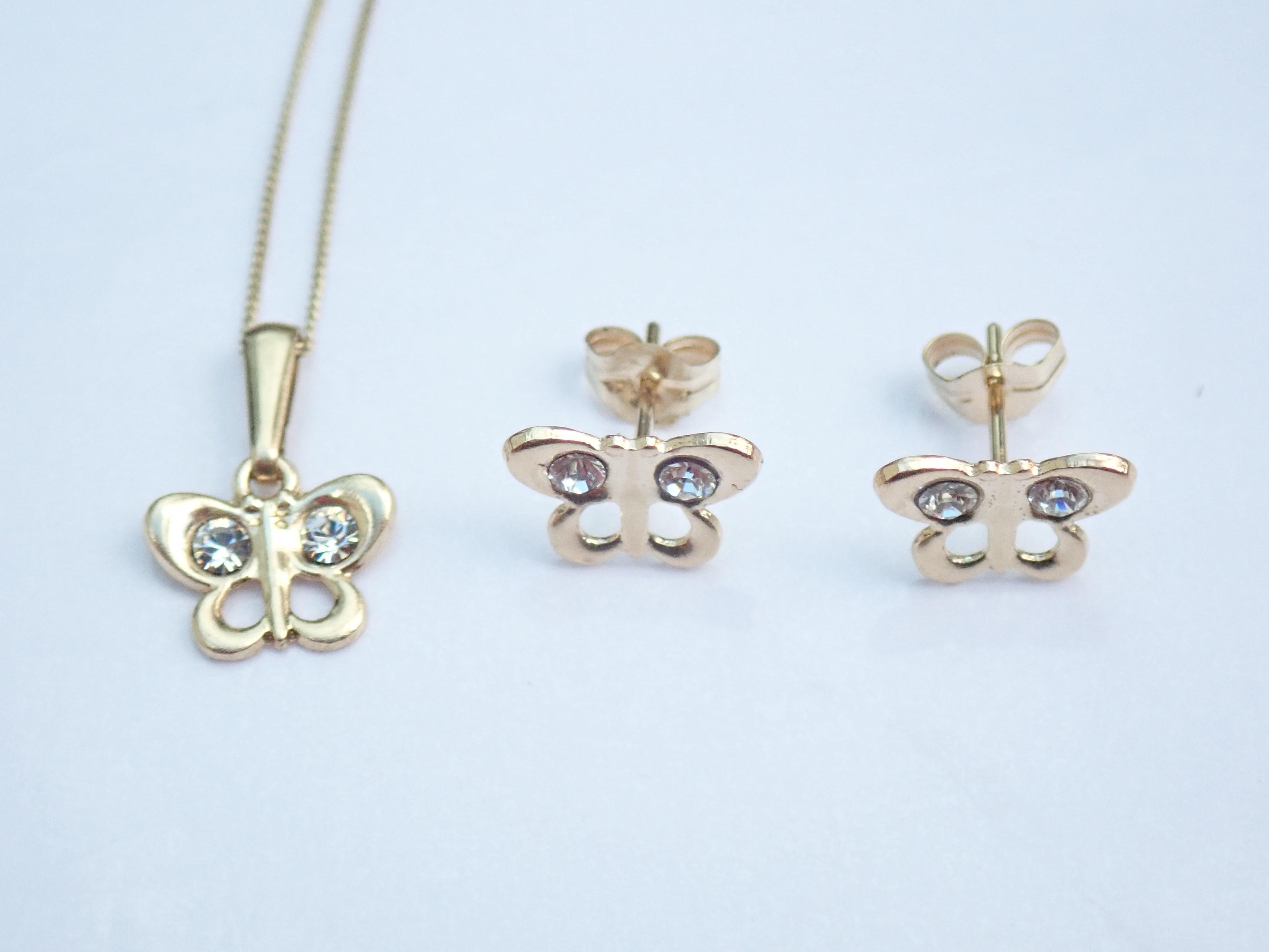 9k Solid Gold Butterfly Pendant and Earring Set 16″ Gold Chain 1.0gms #16