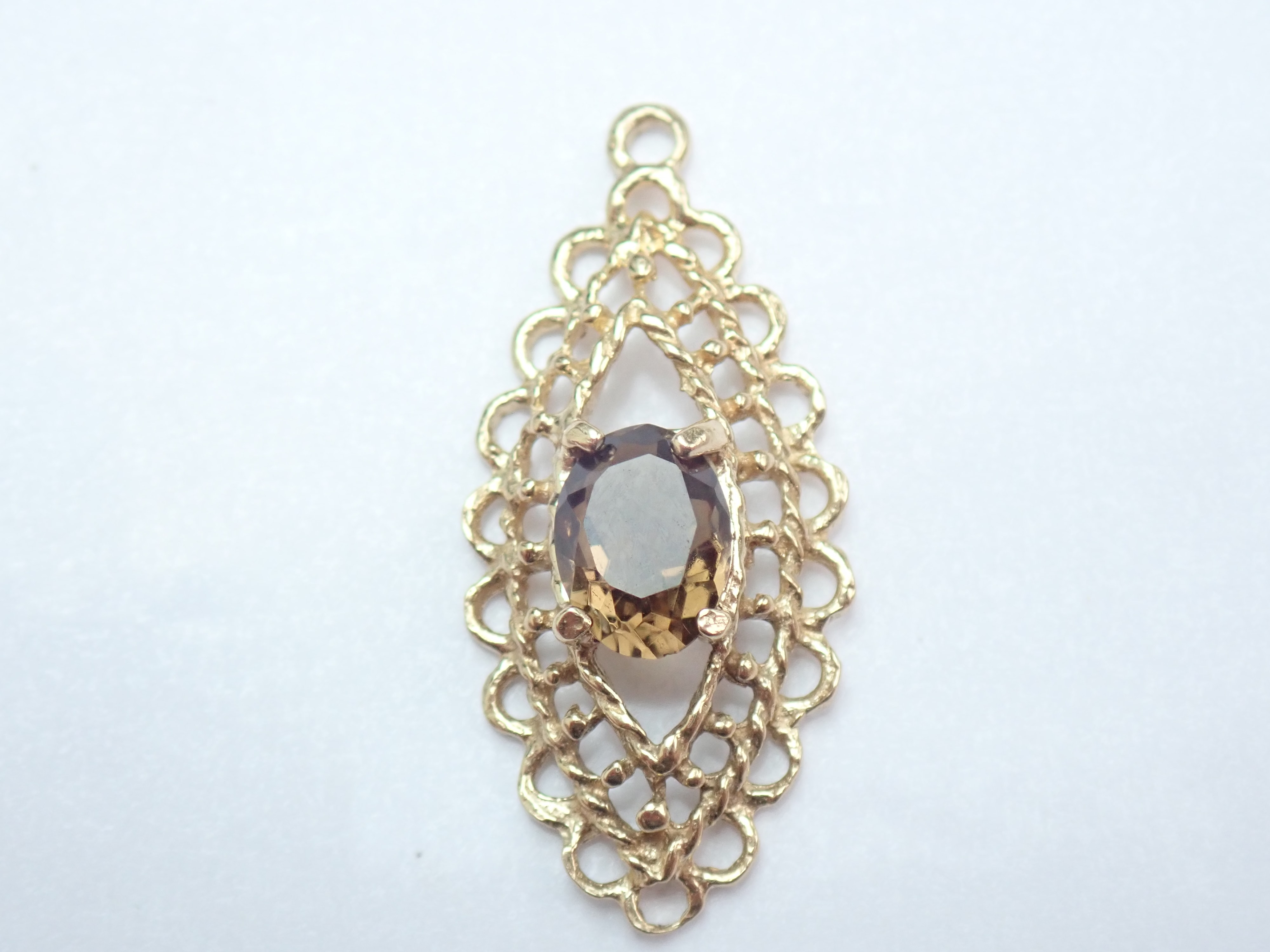 375 Yellow Gold 0.50ct Oval Citrine Scroll Design Pendant -1.22gms #24