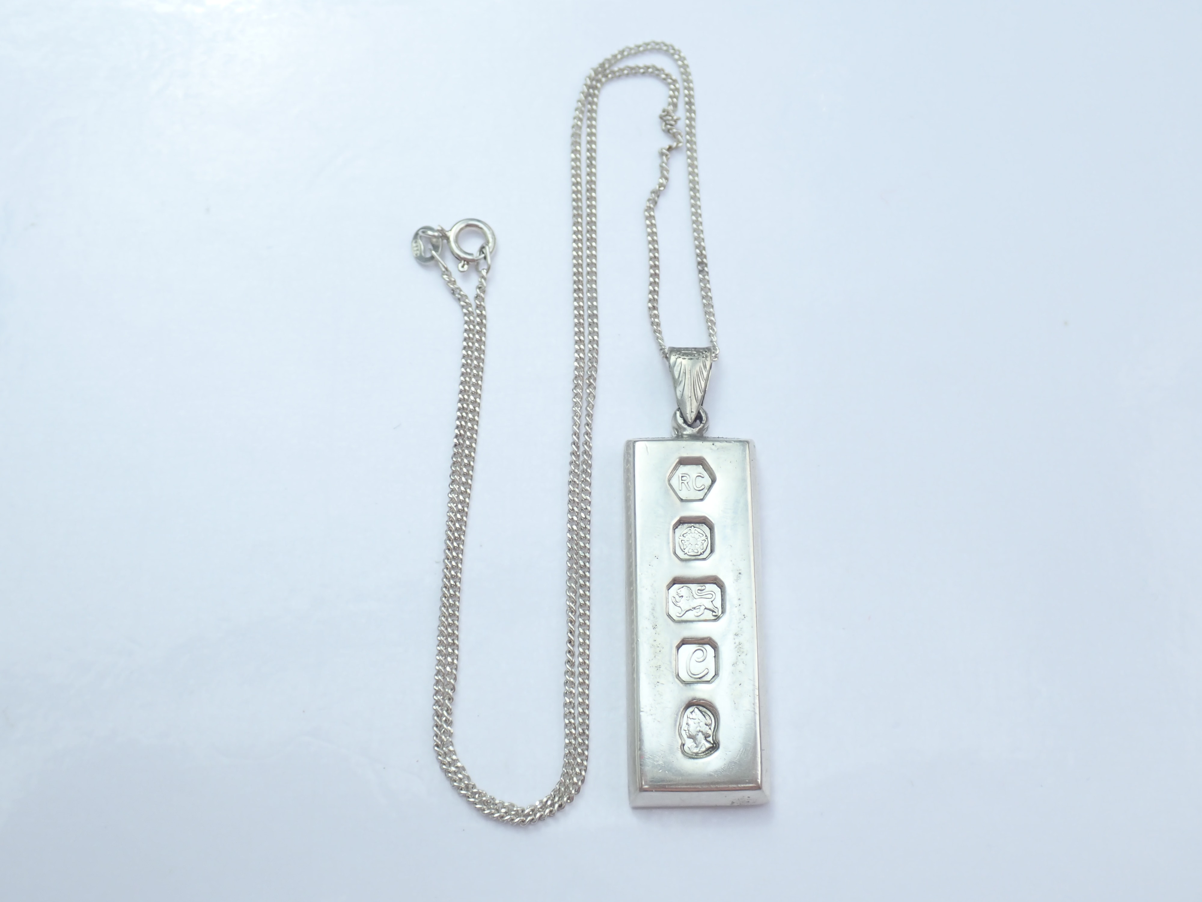 Superb! Vintage 1977 Sterling Silver 925 Heavy Ingot Pendant & 18″ Curb chain 32.5gms #31