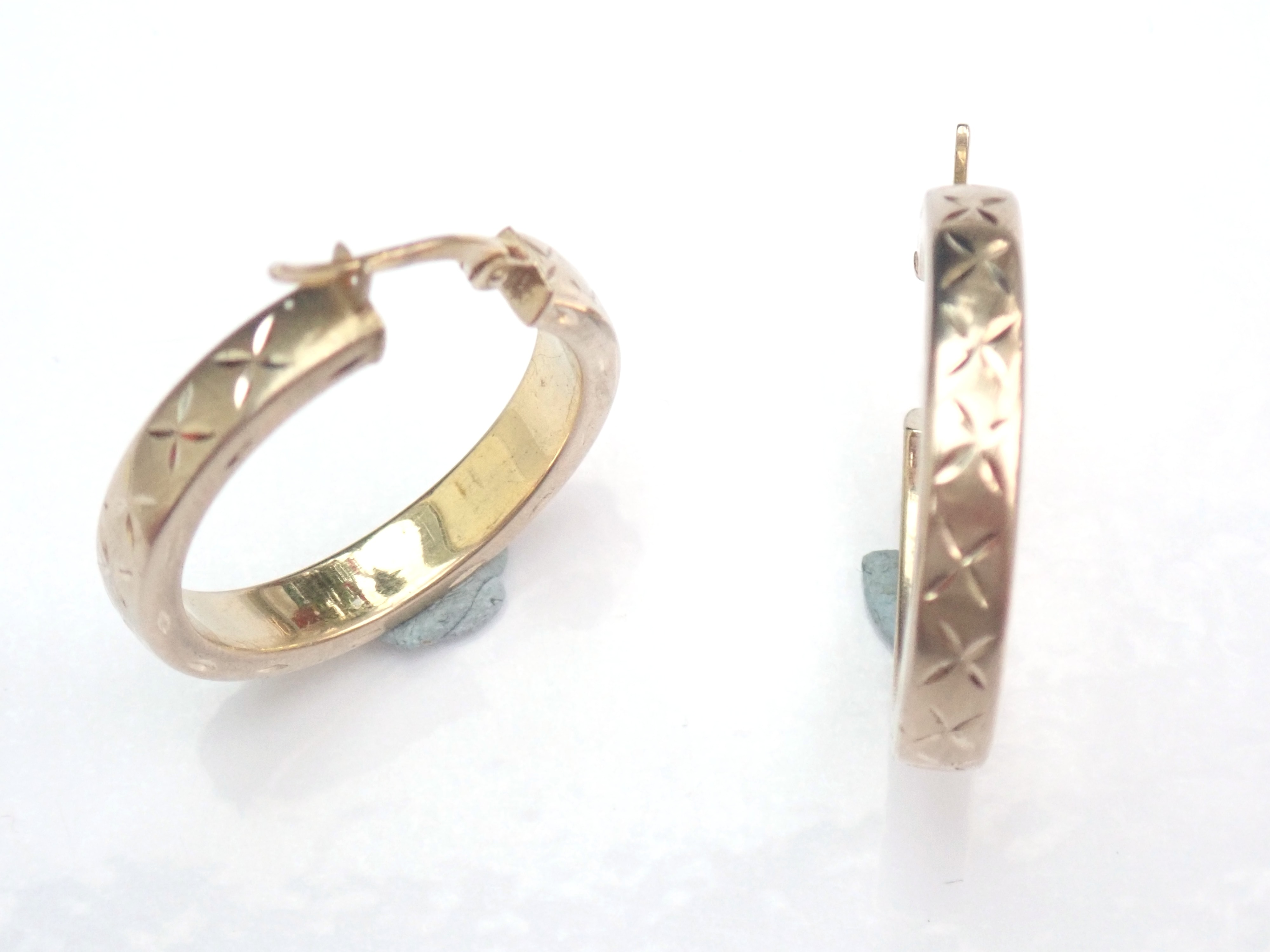 14k 585 Gold Hooped Earrings Diamond engraved X Pattern 24mm Diameter #100