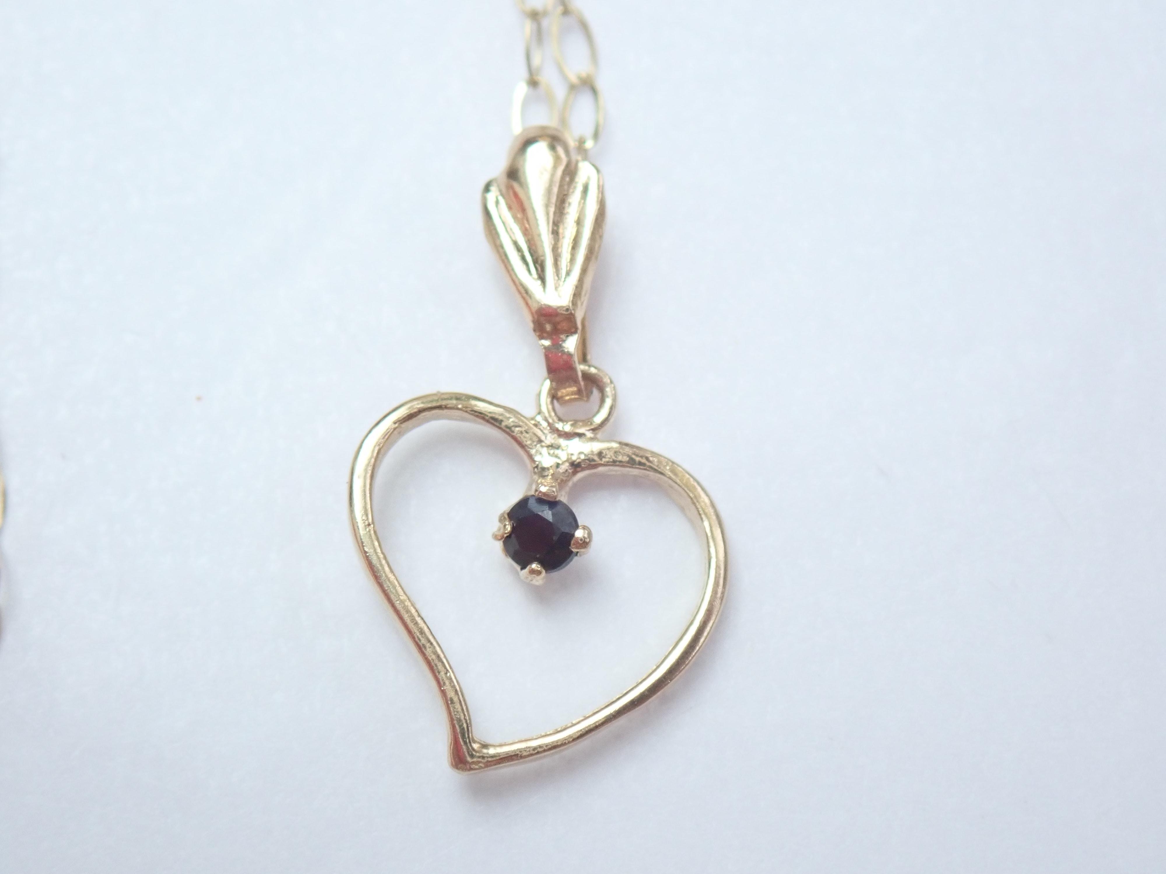 Beautiful!! Girls 375 Gold Heart Pendant Natural Blue Sapphire 13″ chain -0.6gms #10