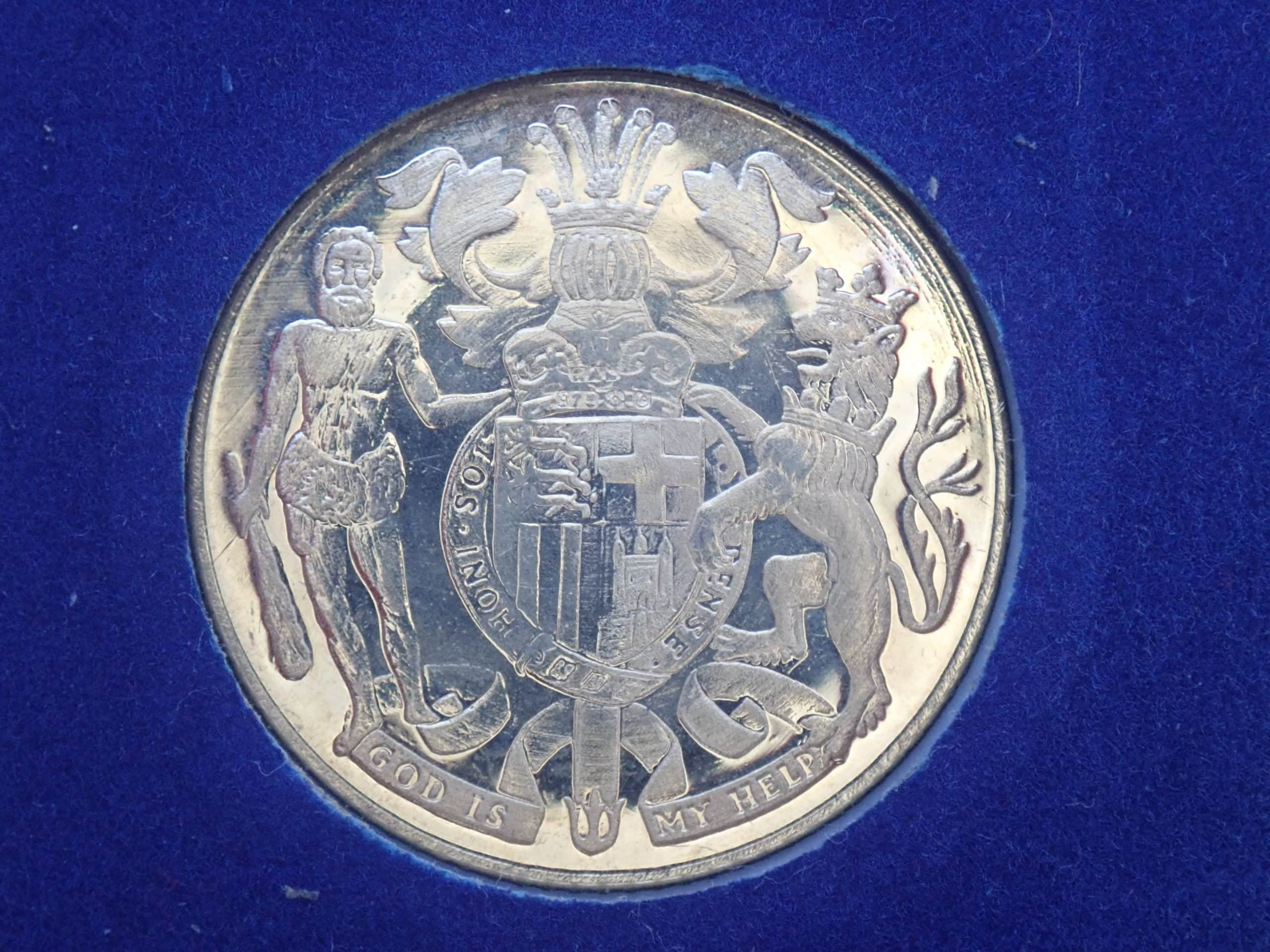 Gold 9ct Silver Jubilee Commemorative Medal 2.5gms, Prince Philip Box & Cert. Number 3213