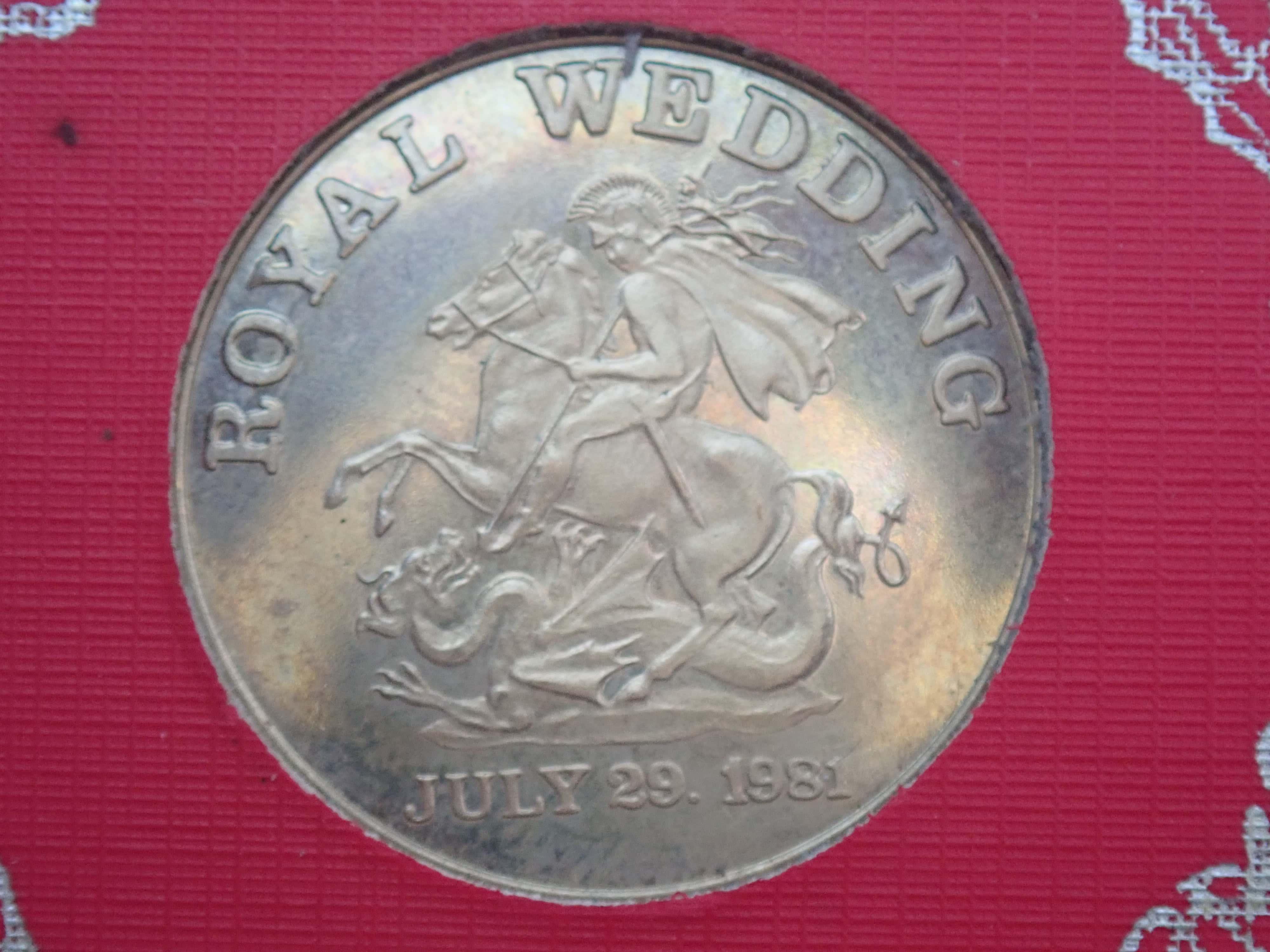 AZZ00811 - Charles & Diana Royal Wedding 9ct Gold Souvenir Medal,  July 29th 1981, 4gms,