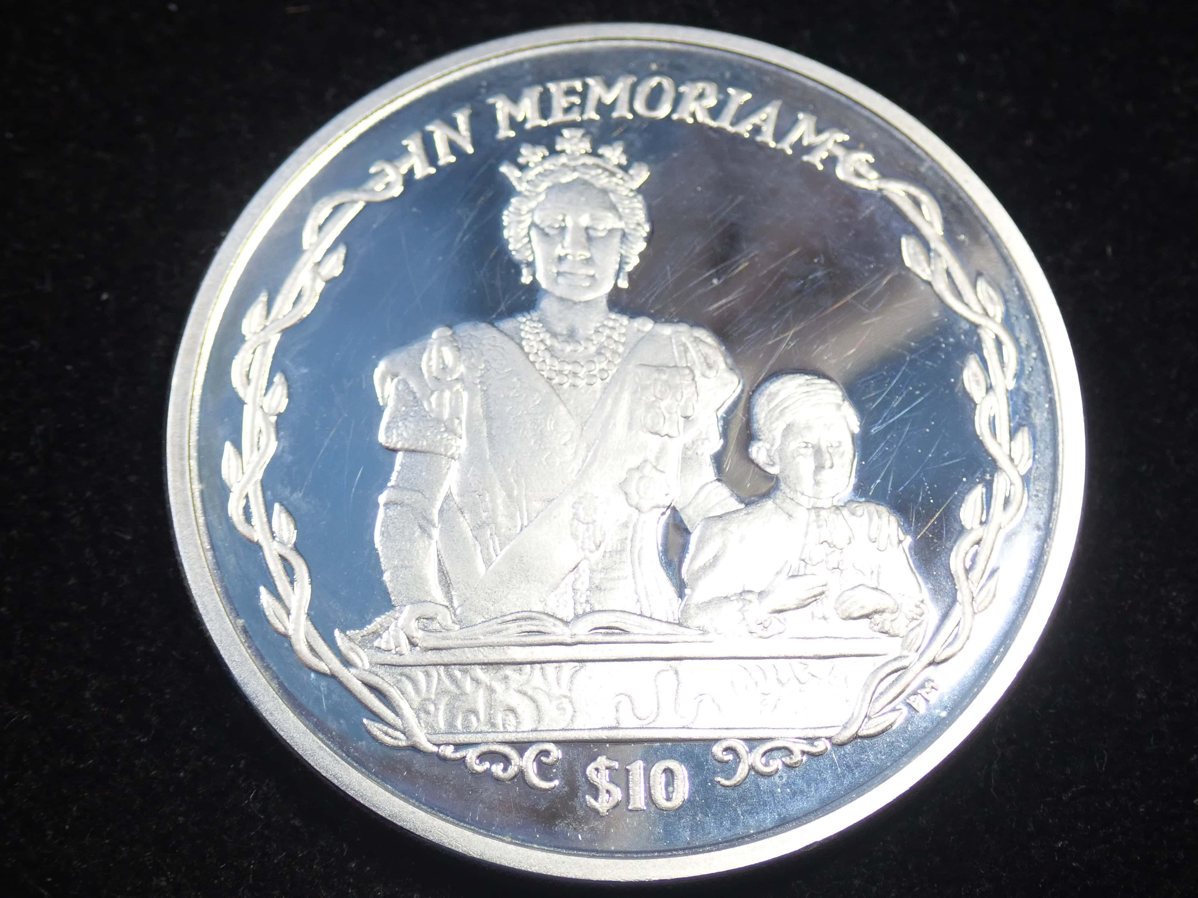 AZZ00830 - Proof 10 Dollar - Elizabeth II Queen Mother & Young Prince Charles 925 Silver Coin British Virgin Islands #21