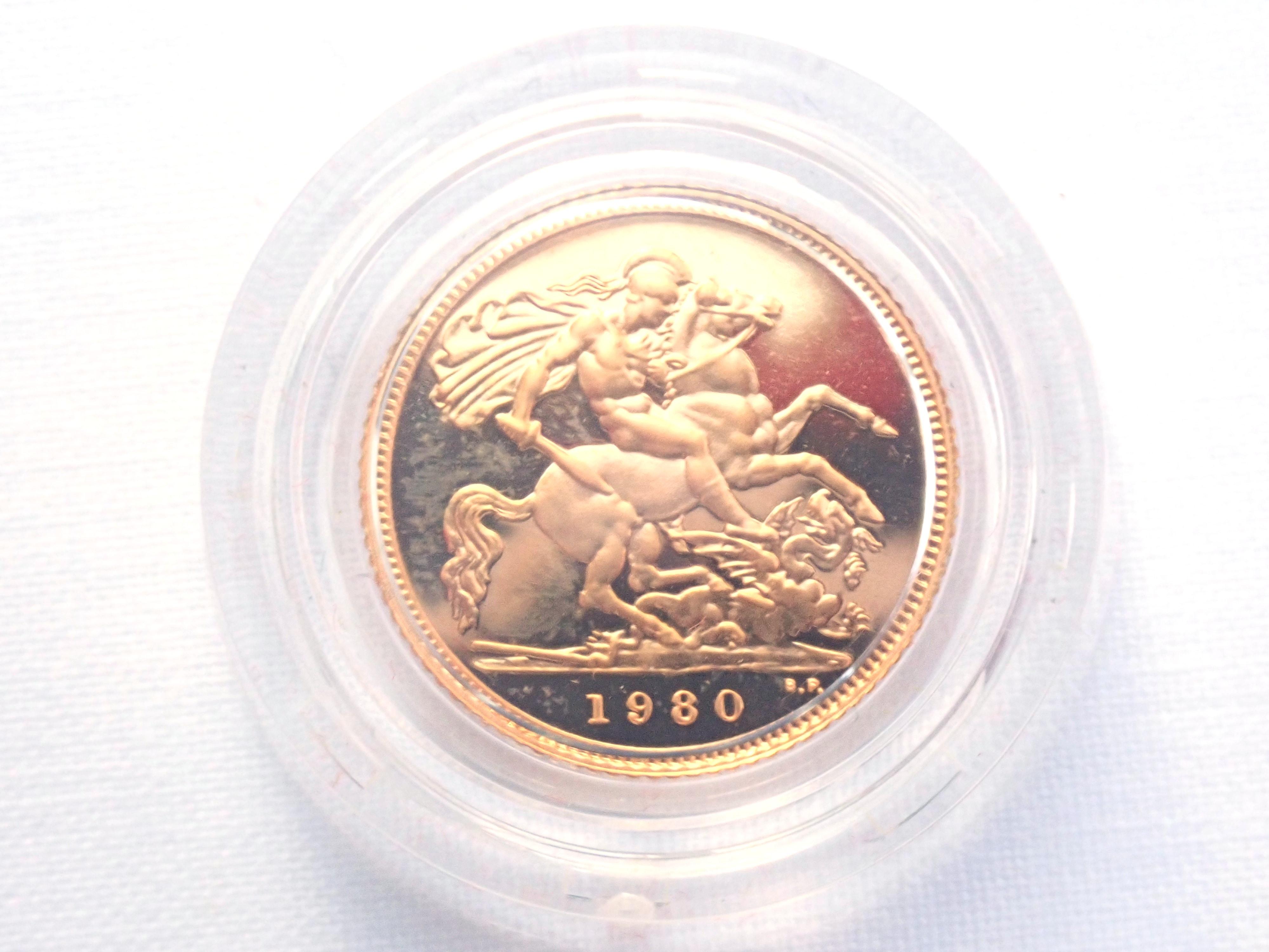 AA000699 - 1980 Proof Gold Half Sovereign Red Boxed 22k Elizabeth II 2nd Portrait #175