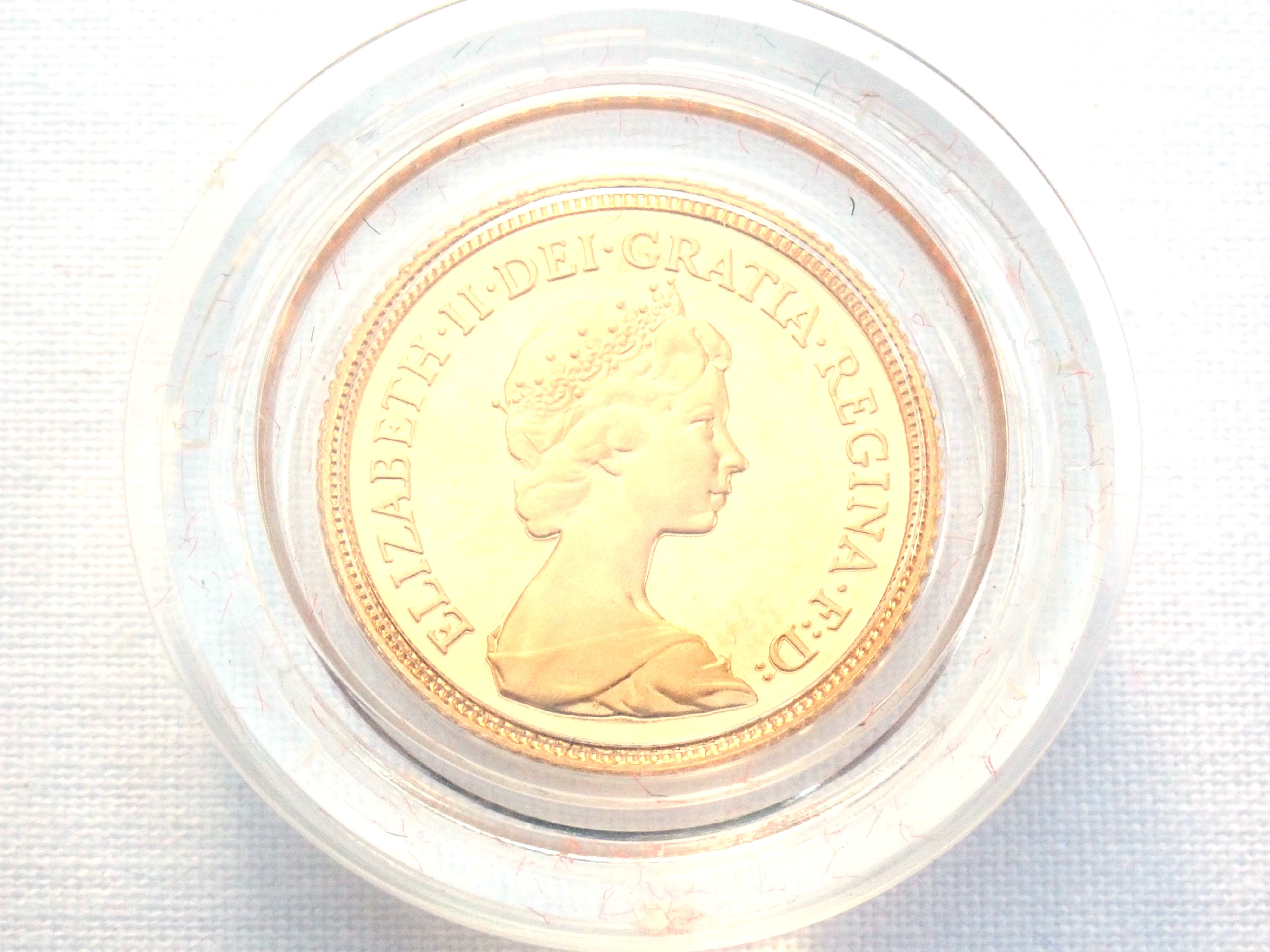 AA000700 - 1980 Proof Gold Half Sovereign Red Boxed 22k Elizabeth II 2nd Portrait #175