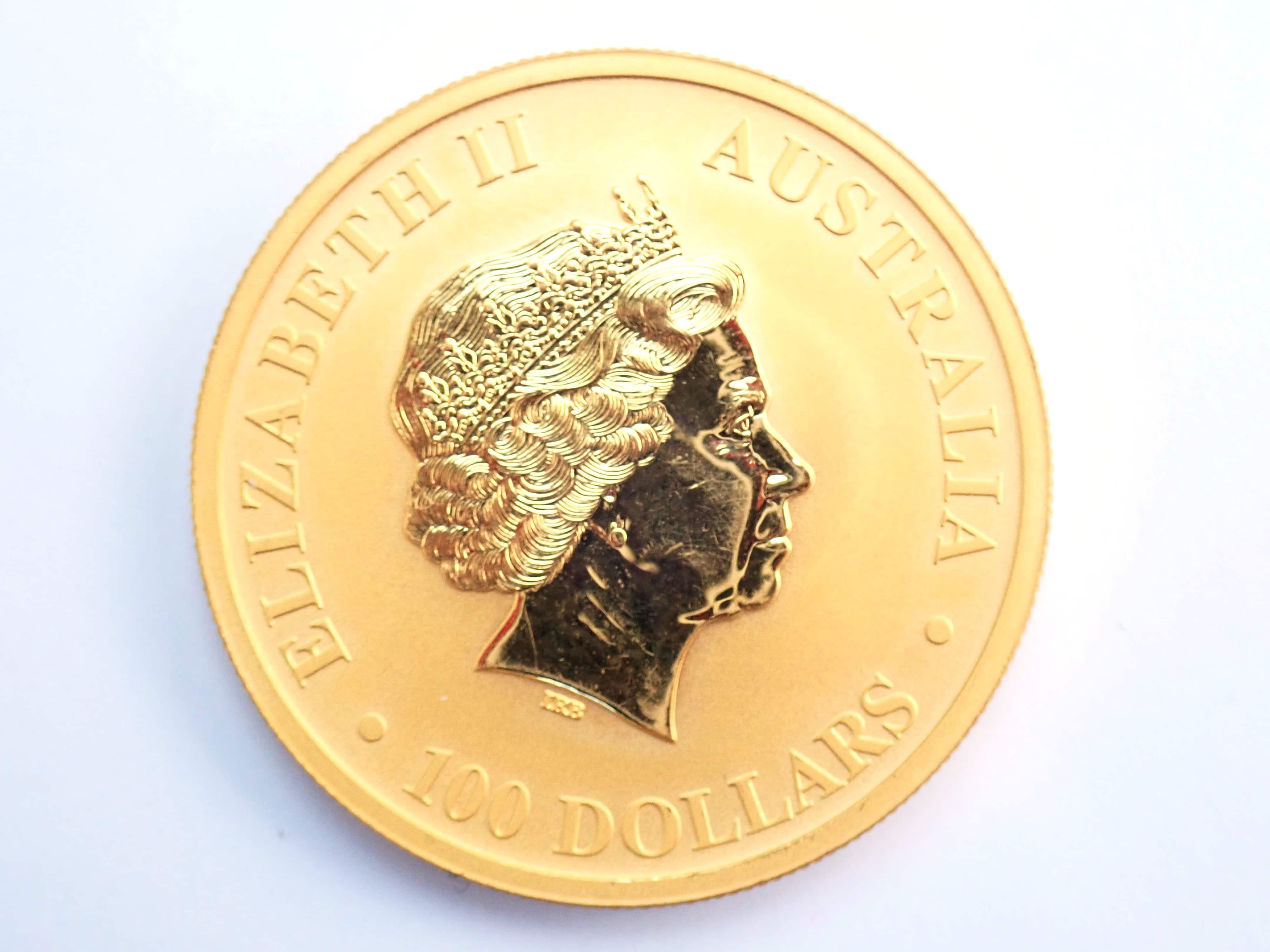 AA000799 - 2011 1oz Pure gold 24k Australian Nugget Kangaroo $100 Dollars Coin #0041