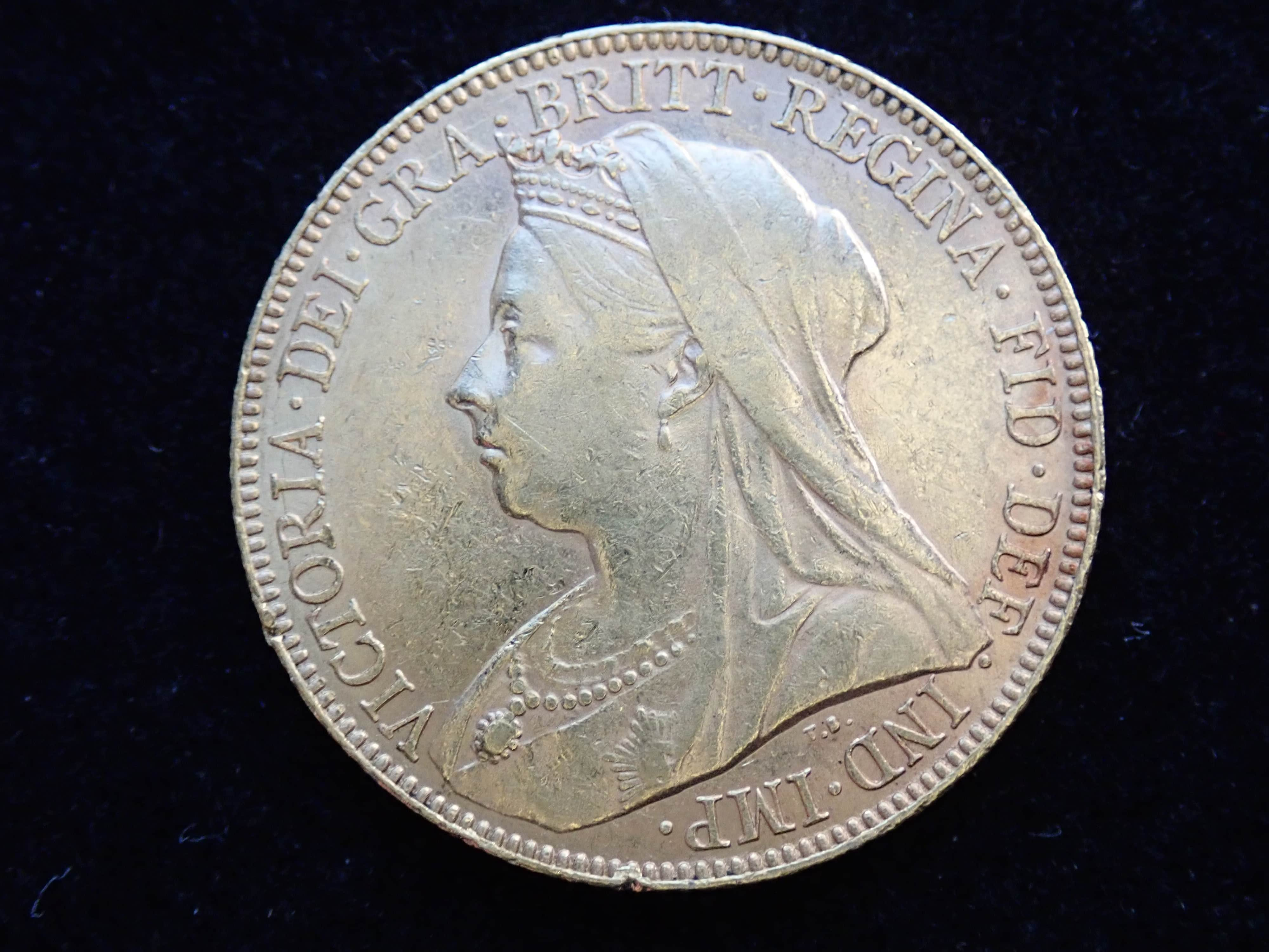 AA000801 - 1898 Gold Coin Full Sovereign - Queen Victoria Old Head - London Mint #355