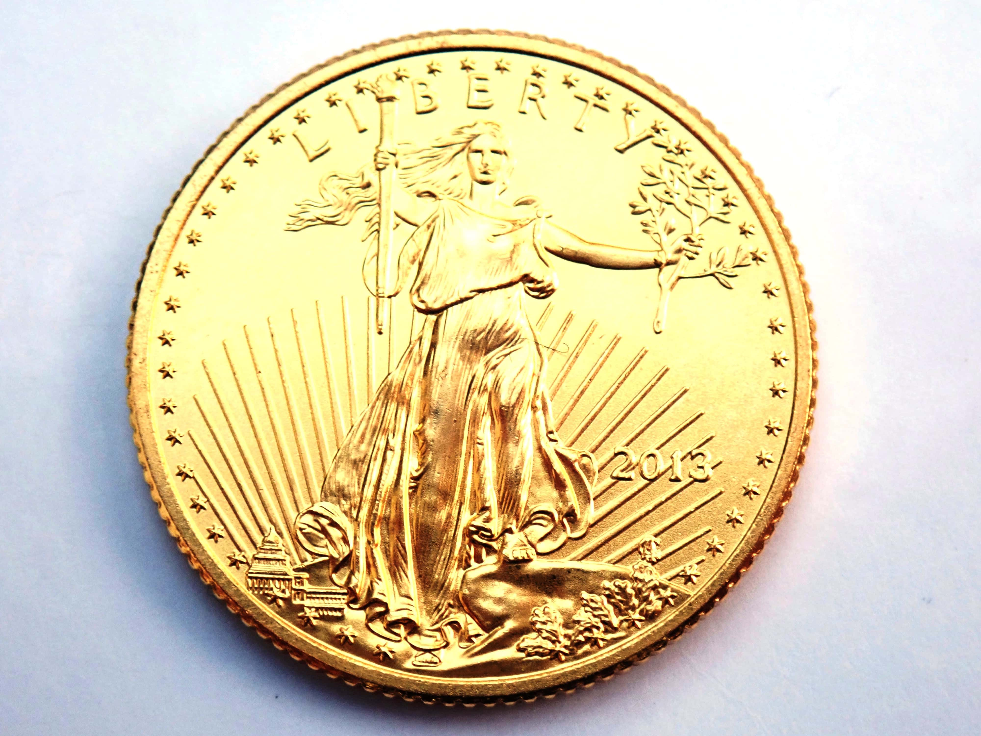 "AA000806 2 - 2013 $10 Dollars ""American Gold Eagle"" 1/4oz 999.9 Fine Gold Bullion Coin #"