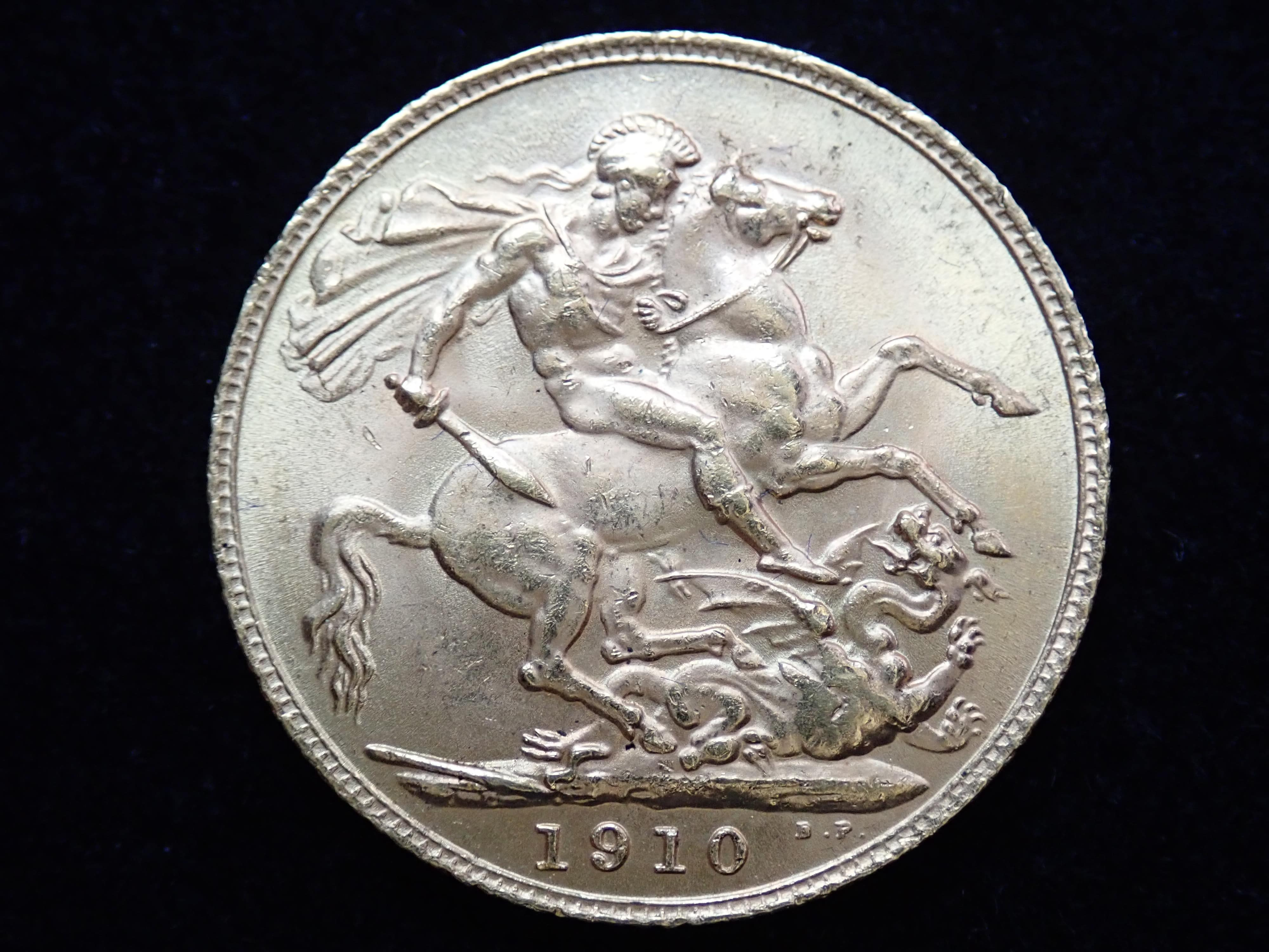 AA000810 - 1910 22ct Gold Full Sovereign King Edward VII Coin London Mint A.U #553