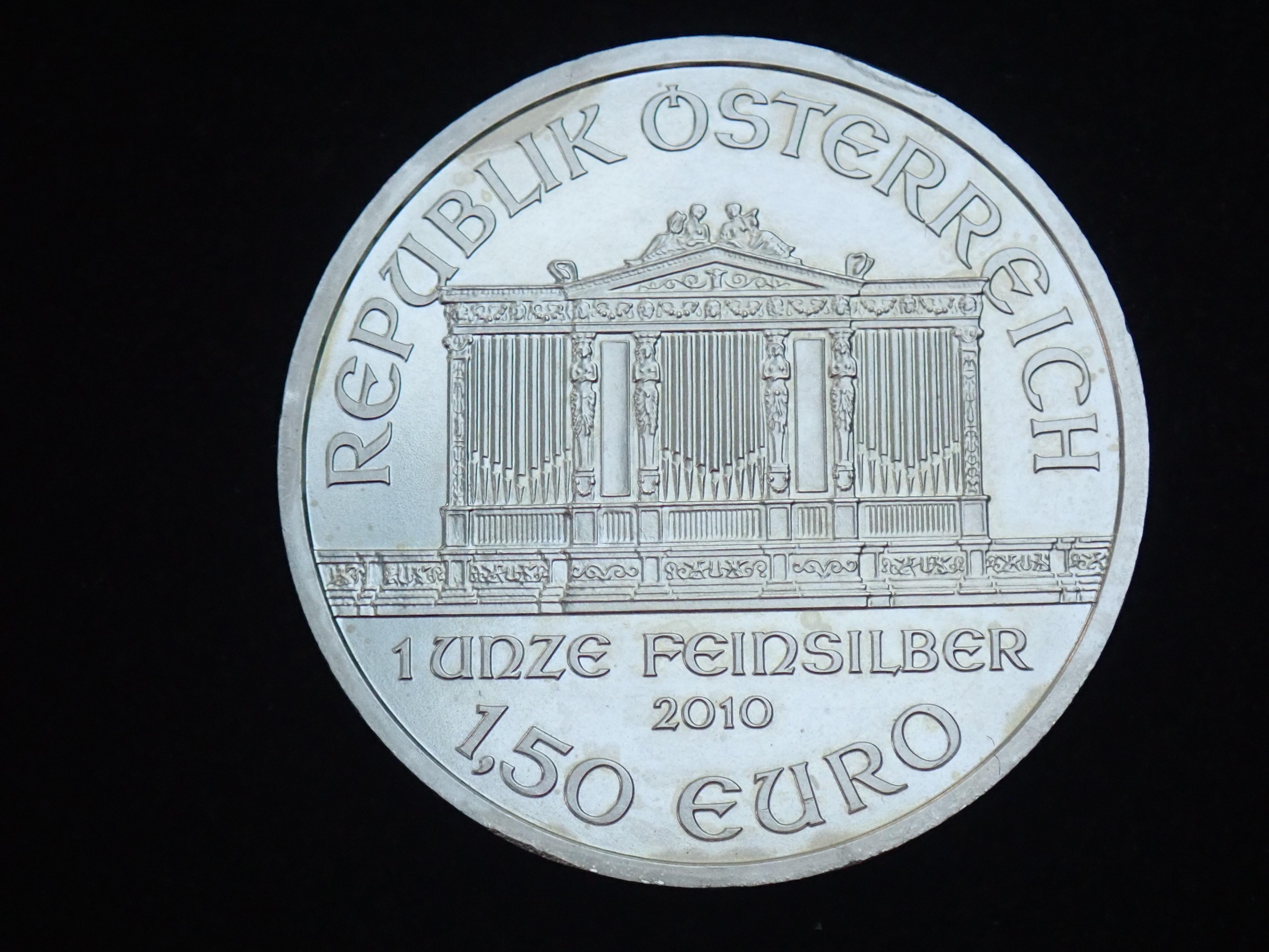 AZZ00580 - 2010 1oz Austrian Philharmonic Fine Silver 999.9 Coin #21