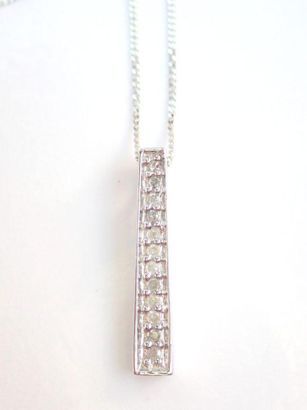 Beautiful! Diamond Stick Pendant & 18″ Curb Chain 9 carat White Gold Fully Hallmarked #50
