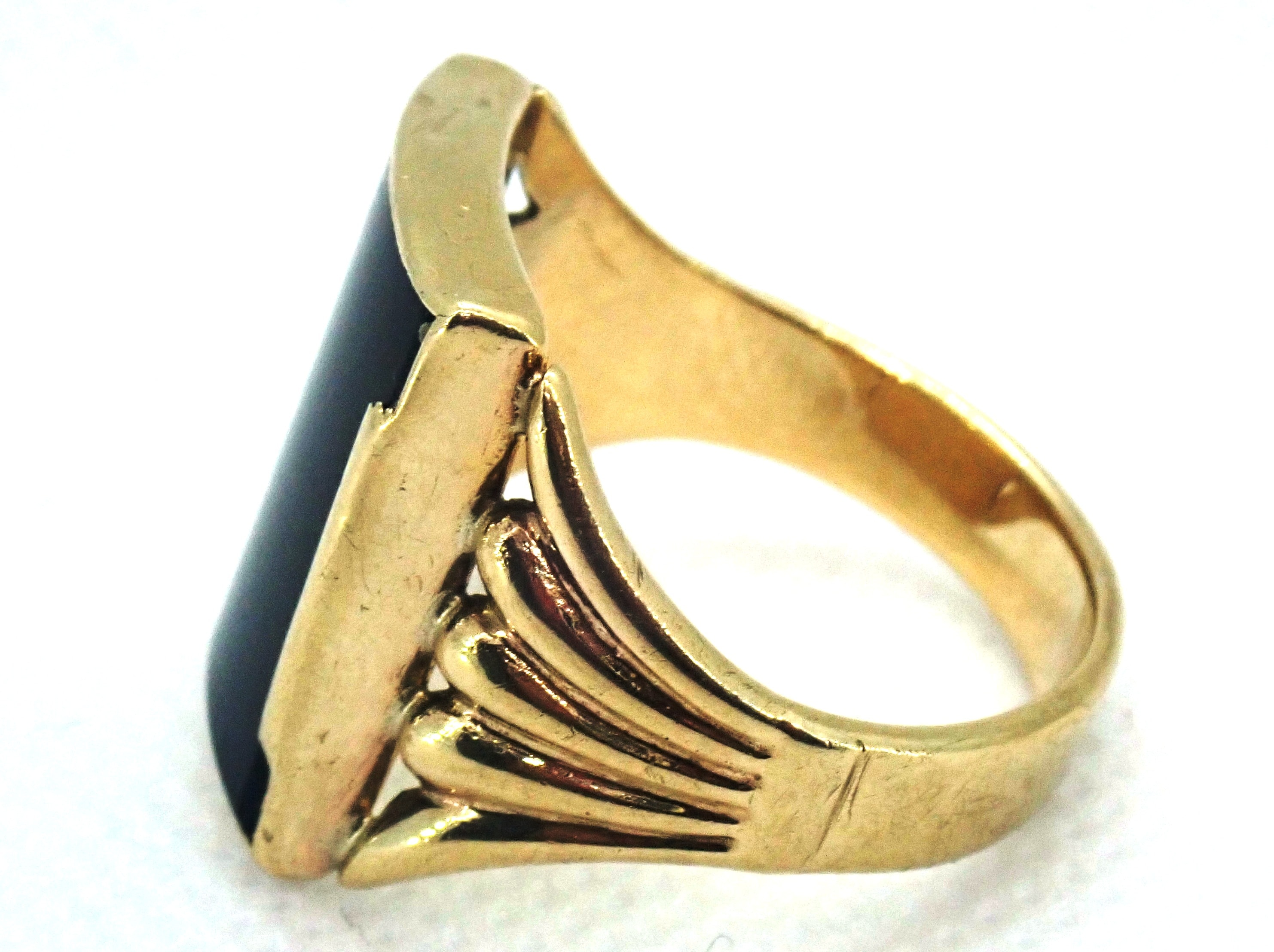AZZ00694 - Beautiful!! Vintage Square Onyx 9 carat Gold Signet Ring - Size S1/2 - 5.5gms #011