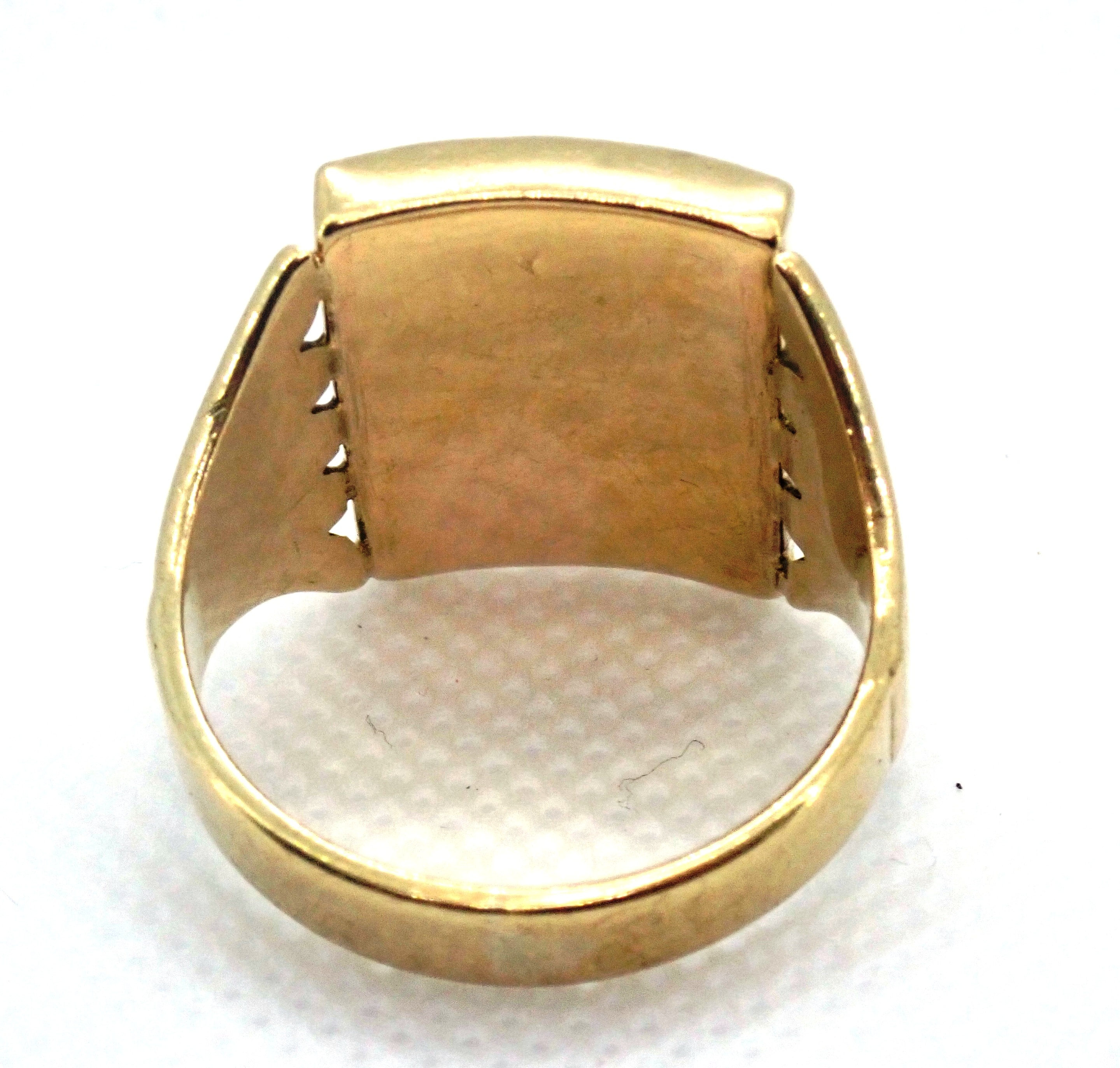 AZZ00695 - Beautiful!! Vintage Square Onyx 9 carat Gold Signet Ring - Size S1/2 - 5.5gms #011