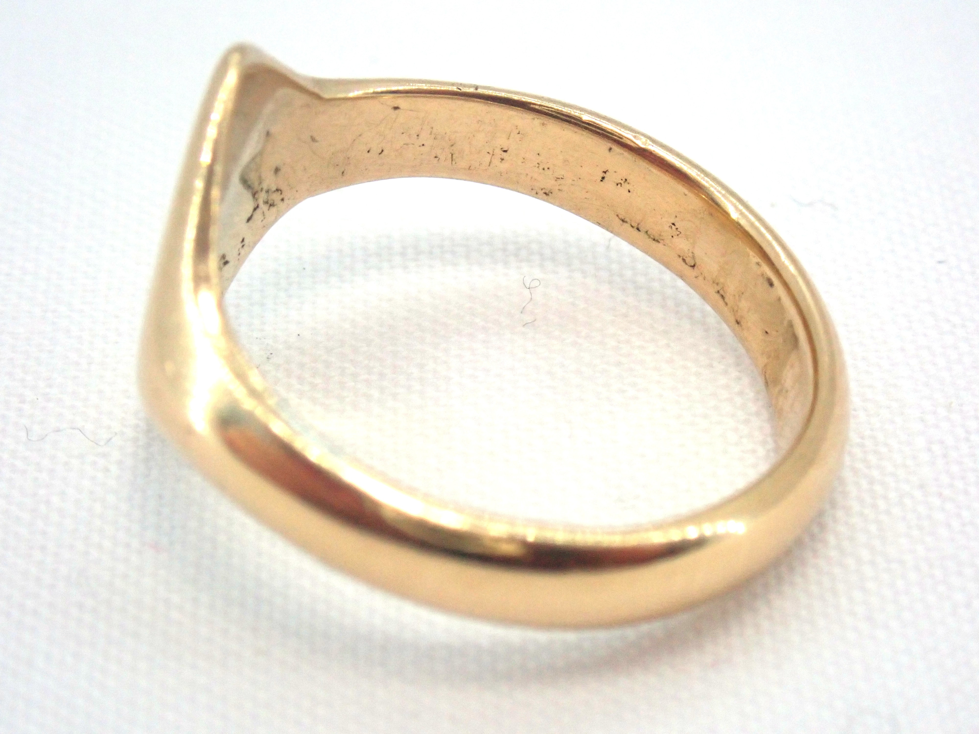 AZZ00728 1 - Vintage!! Solid 18 carat Gold Diamond Shaped Signet Ring - Size M - 5.3gms #002