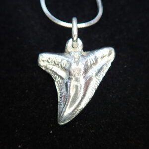 Handmade!! Solid 925 Sterling Silver Tiger Shark Tooth Pendant 2.0cm long 3g
