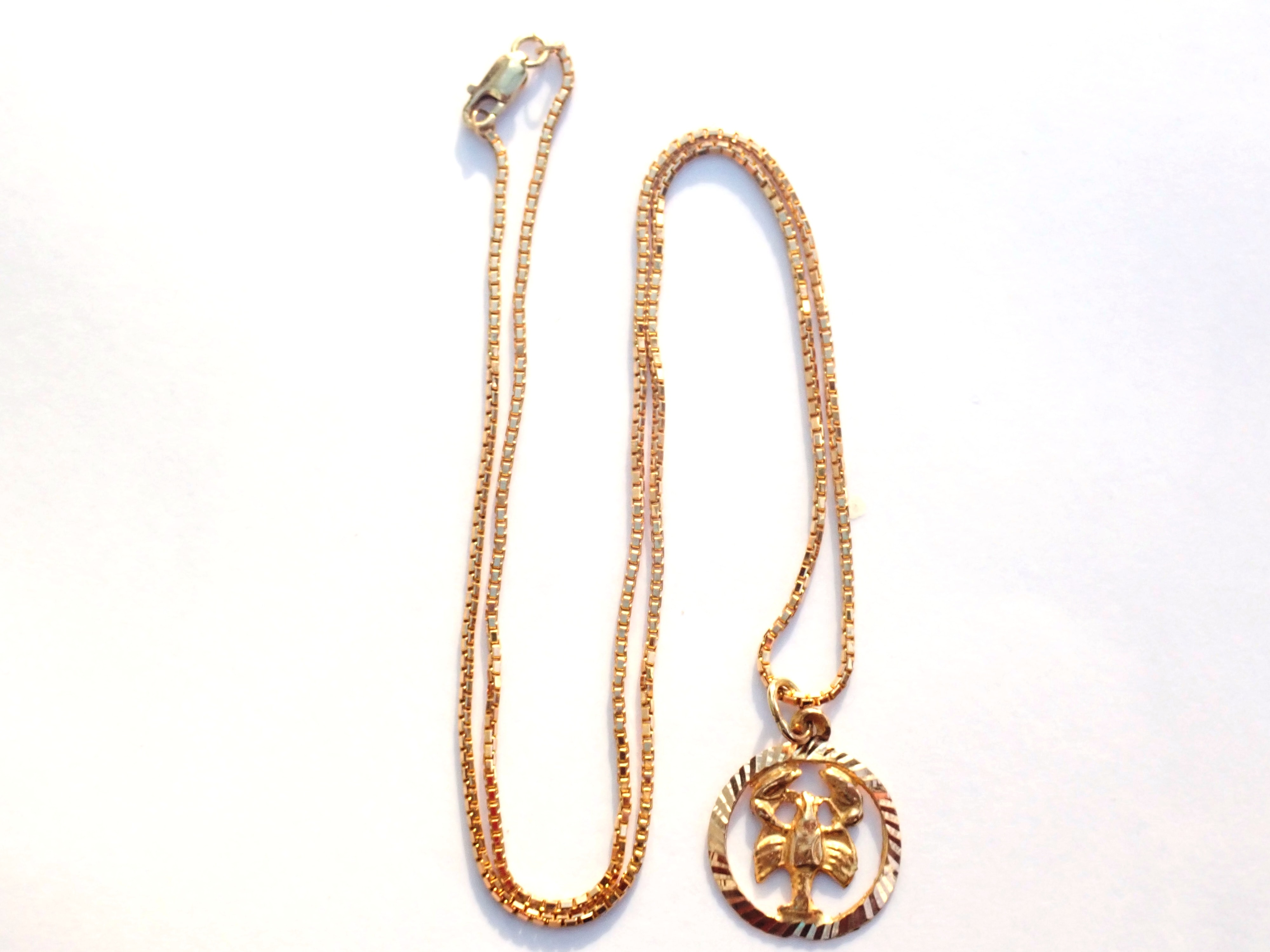 "AA000923 - 14k Solid Gold Scorpio October Star Sign Scorpion Pendant -14k 18"" Box Chain 5.6gms #150"