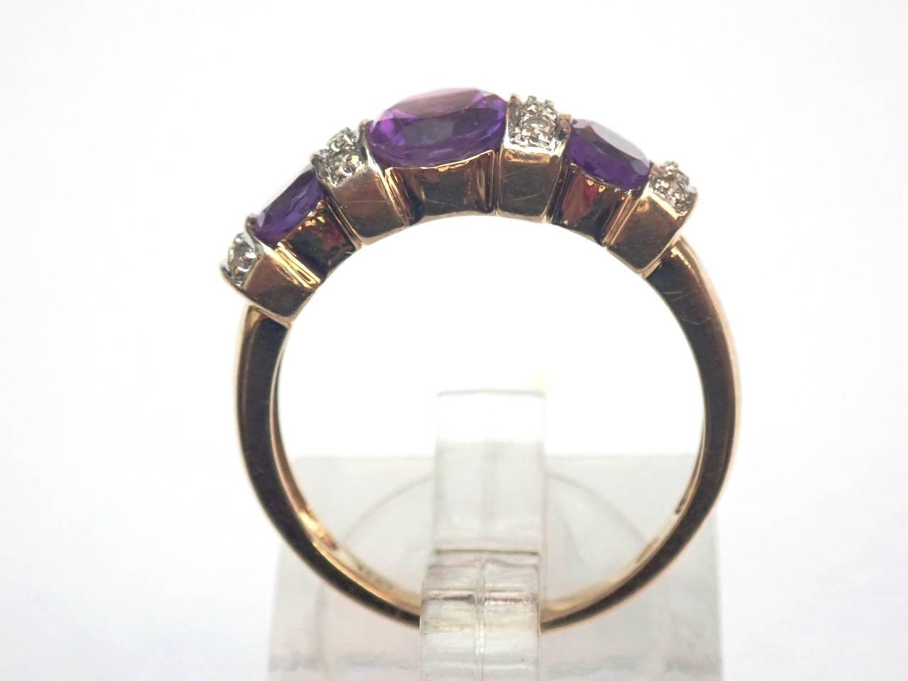 Beautiful ! 10ct Yellow Amethyst and Diamond Trilogy Ring Size O1/2 - 3.1gms #60