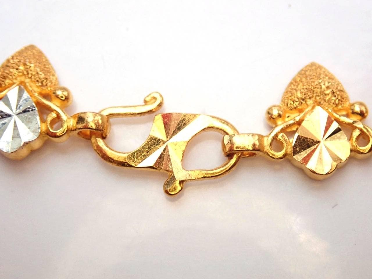 "AA000985 - 22k Solid Gold Fancy Heart Chain Bracelet 73/4""- 15.7gm"