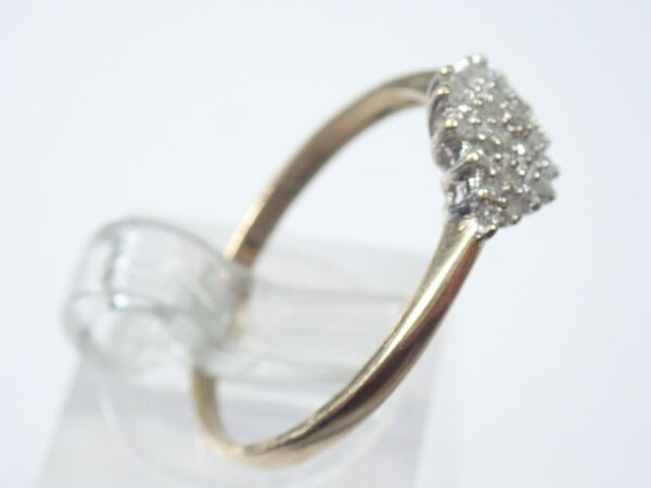 Sparkling! Gold Diamond Cluster Ring – 9K Yellow Gold Size Q1/2 – 1.6 grams