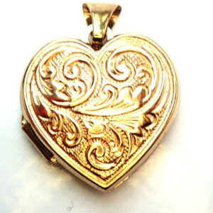 375 Gold Floral Locket Sweetheart Pendant -1.85grams