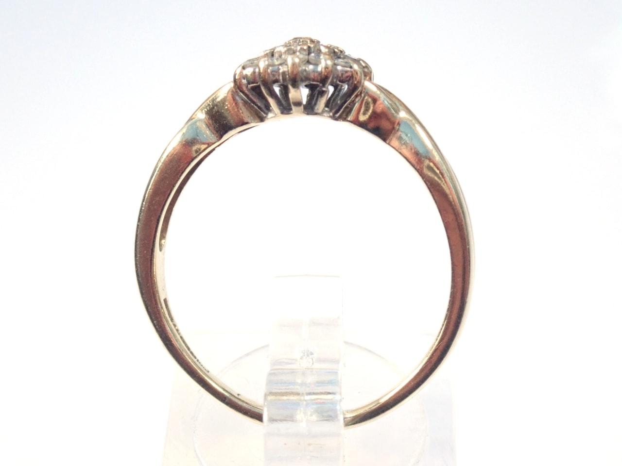 Diamond Cluster Ring - 9K Yellow Gold Size R -3.1 grams #63