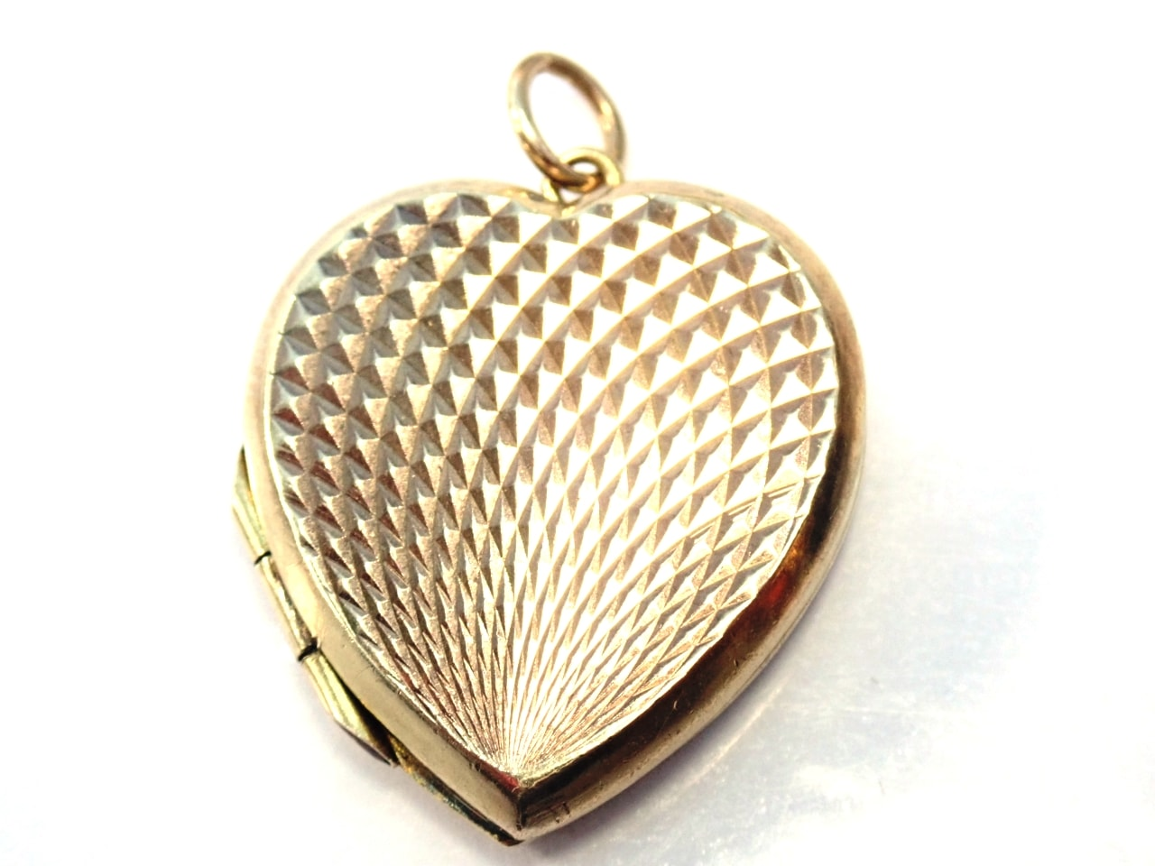 9k Gold Diamond Pattern Locket Sweetheart Pendant
