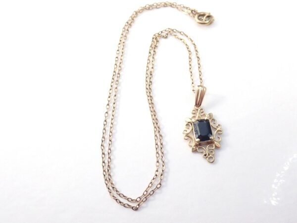 Blue Sapphire 9ct Yellow Gold Pendant 16″ Anchor chain -2.2gms