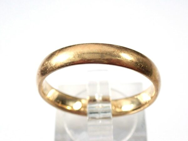 9ct Gold Wedding Band Ring Size W  3.9 grams