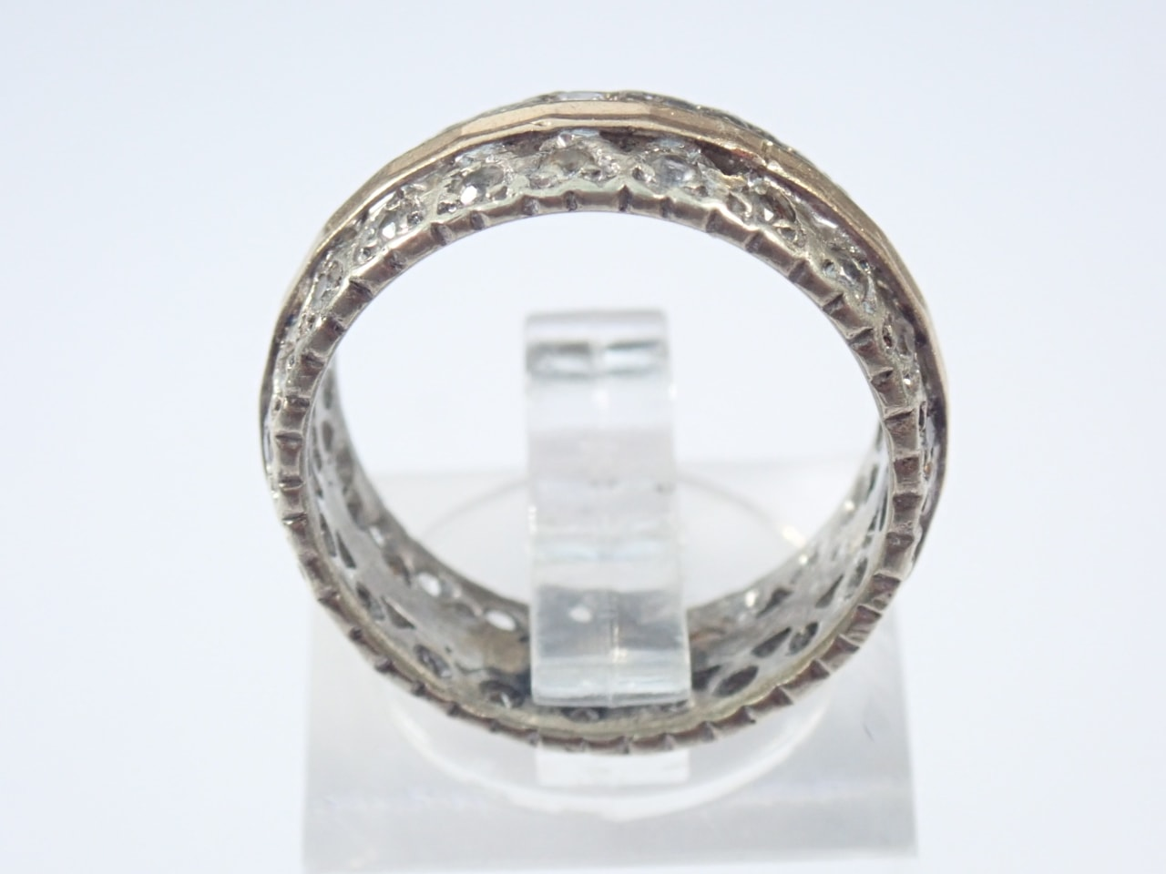 Cubic Zirconia Eternity Band 375 Carat Gold - Size M 5.4 Grams