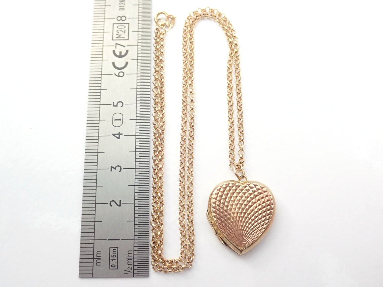 9k Gold Diamond Pattern Locket Sweetheart Pendant