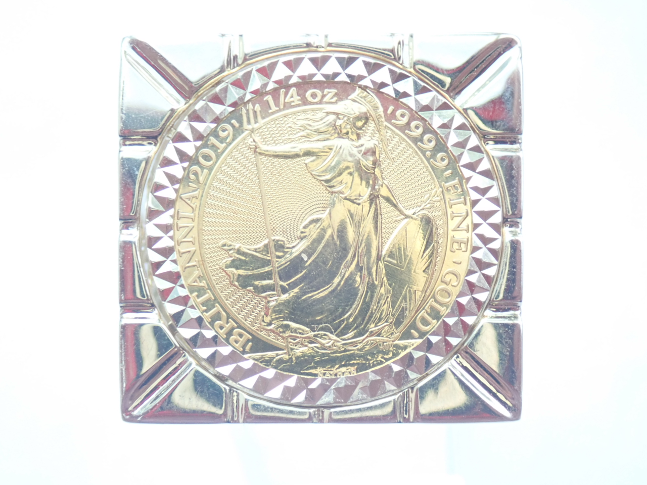2019 1/4 Oz Britannia & Mount 9ct Gold Clubs Square Top Ring Size Y
