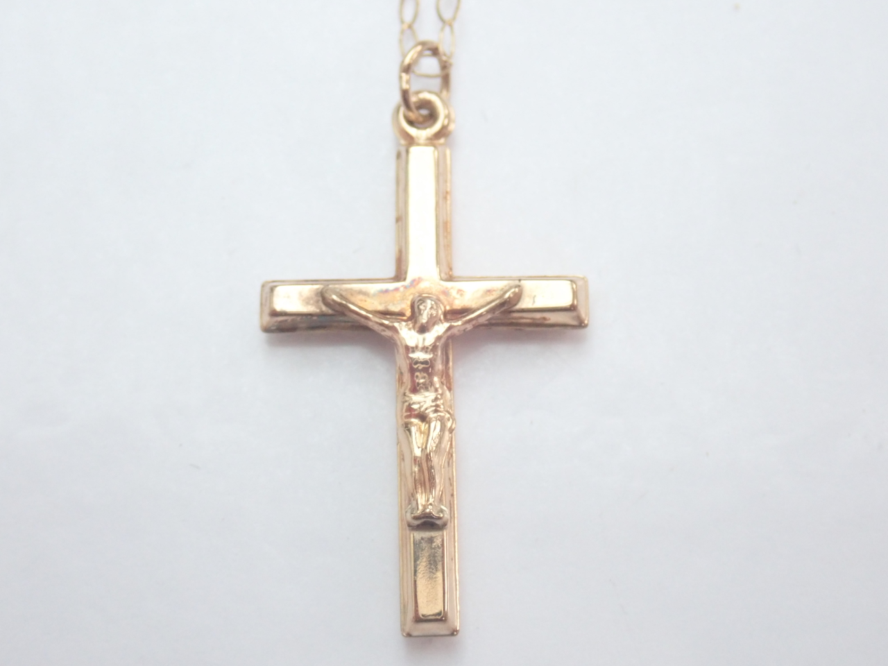Cross Crucifix Jesus 9K Gold Pendant 16