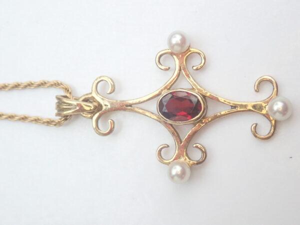 14k Gold Garnet  Pearl Pendant 375 9k Yellow 16 inch 9k gold Chain