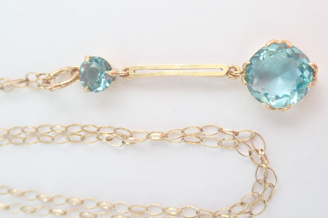 Swiss Blue Topaz 9ct 375 Gold Pendant and 20 inch Chain