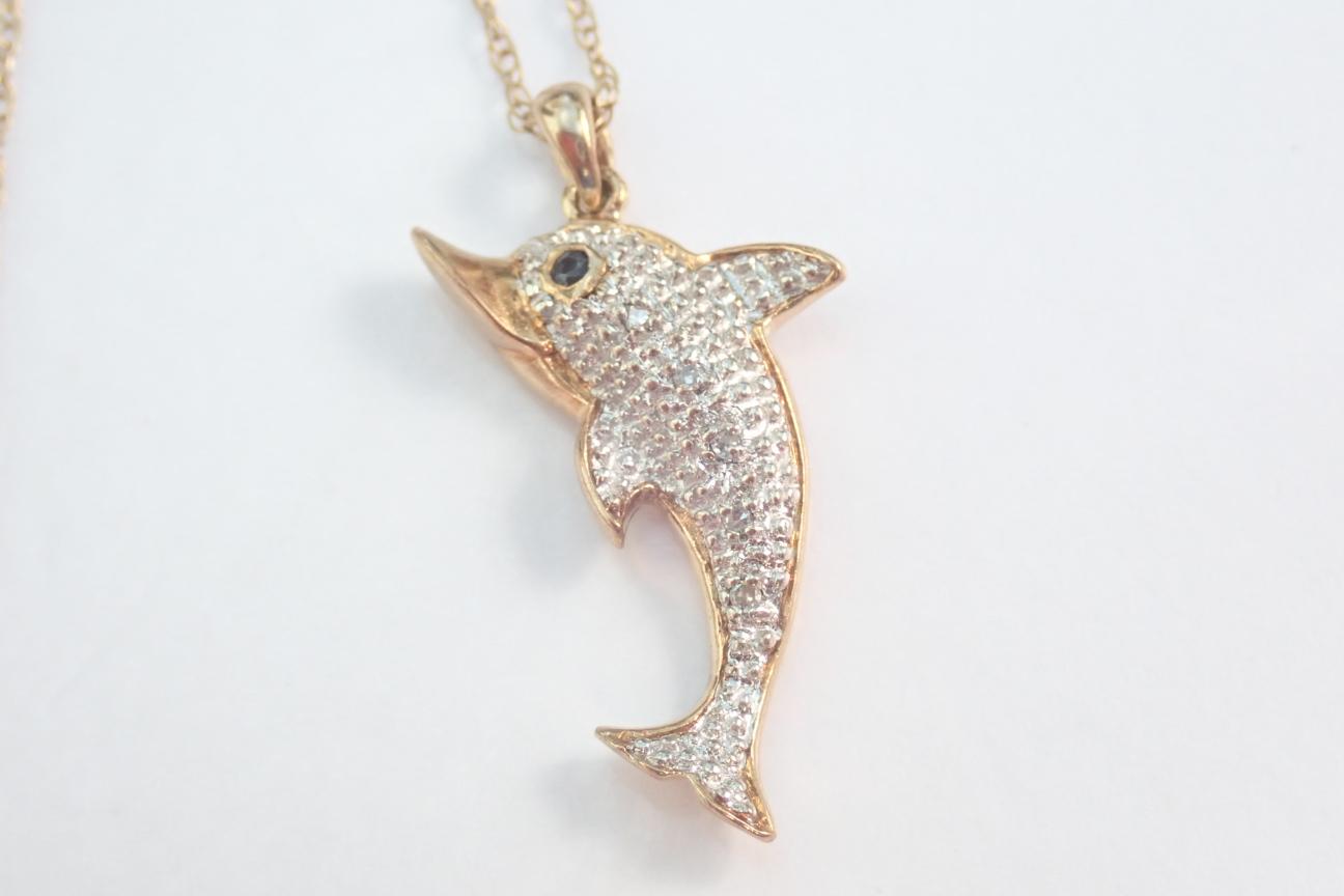 5x Diamond Set Dolphin Pendant 9k -375 Gold - 18 inch Chain