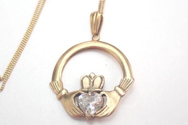 Solid 9ct Gold Claddagh Irish Love Pendant 20 inch Gold Chain