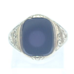 Rectangular Onyx 9 carat Gold Signet Ring – Size S1/2 – 3.5gms
