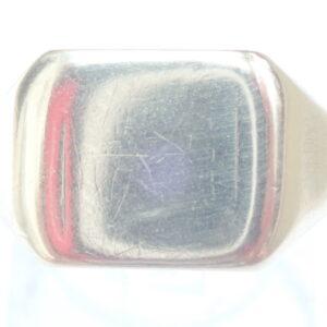 Square Shield Signet ring  -9ct gold – Size u -3.9g
