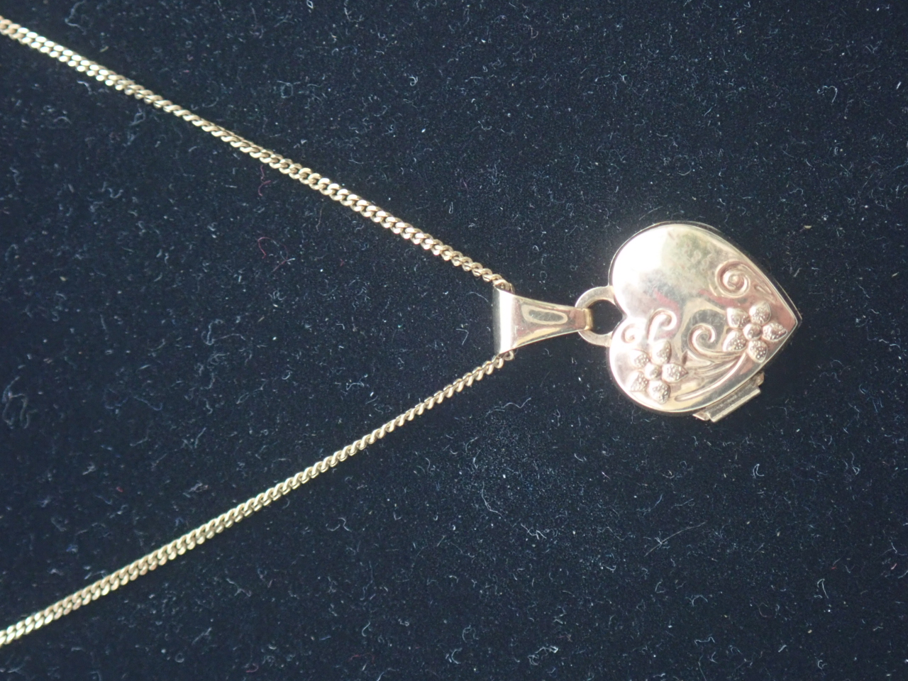 Sweetheart Floral Locket 9k Gold Pendant 18 inch chain- 1.8g