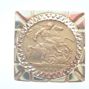 22ct Gold Half Sovereign – Mount 9ct Gold Clubs Square Top Ring