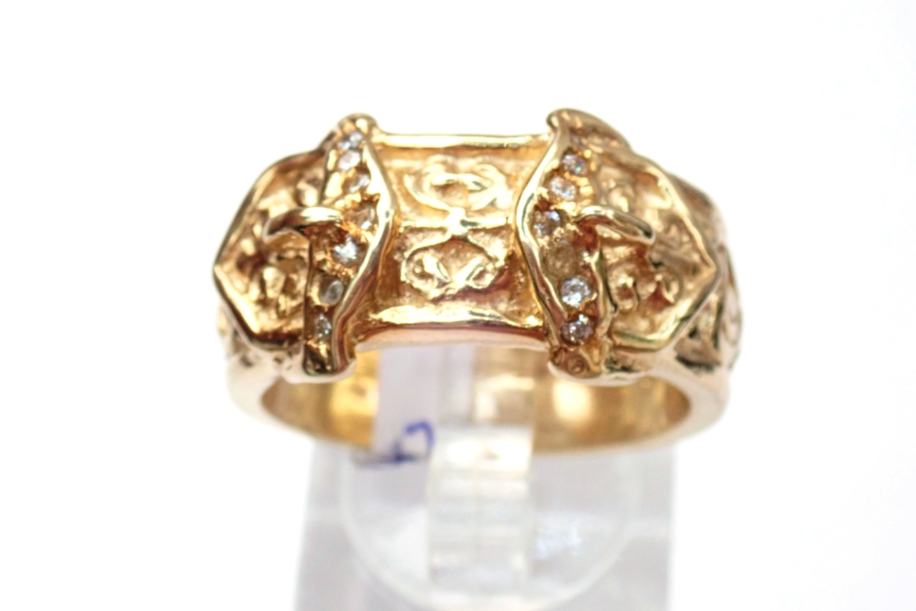 375 Cubic Zirconia Double Buckle Ring 9ct yellow gold - 15.4gms Size V #422