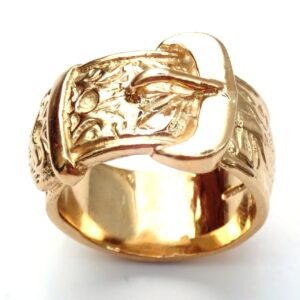 Heavy Buckle Ring 9 carat yellow gold